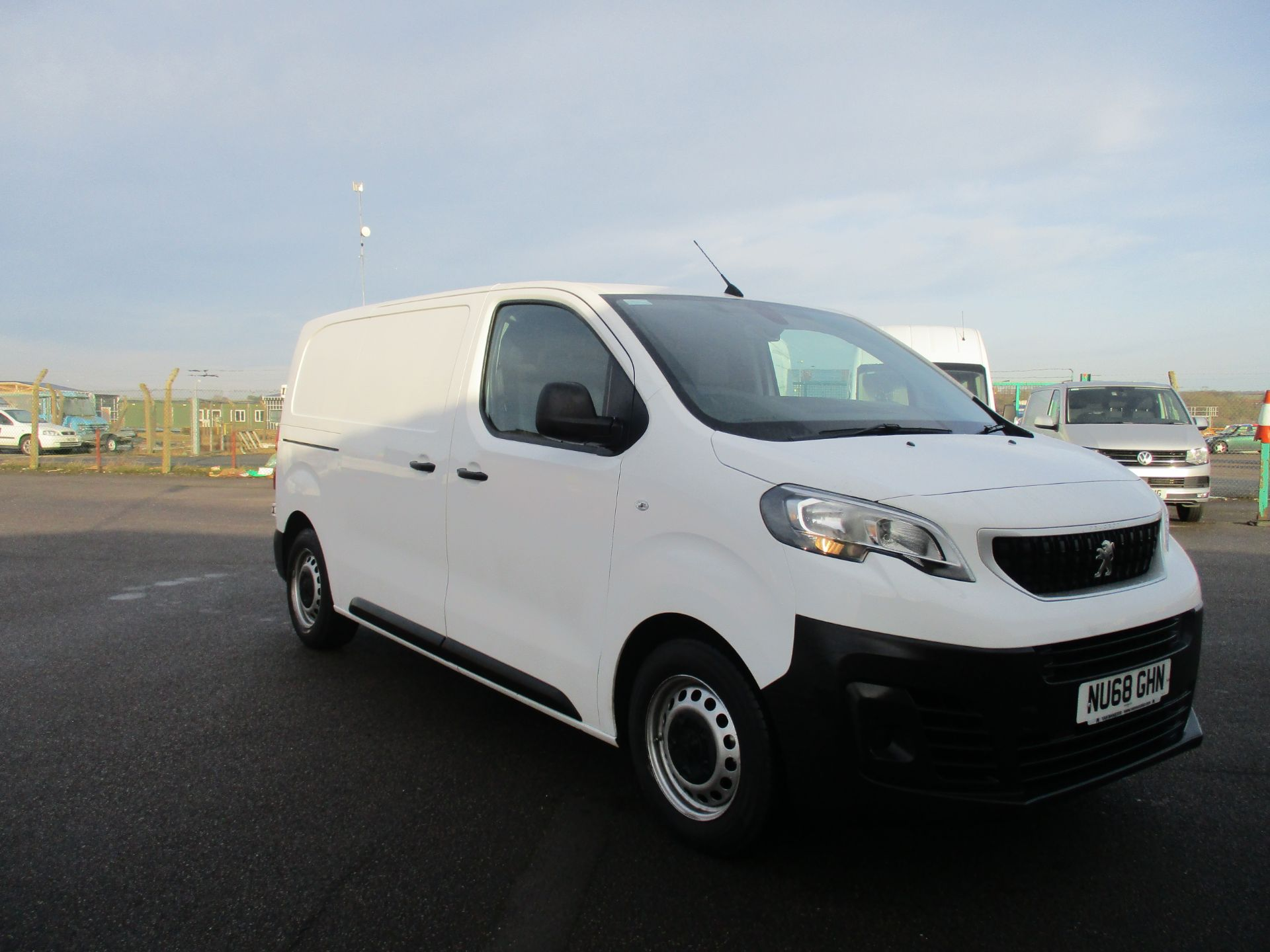 2018 Peugeot Expert STANDARD 1000 1.6 BLUE HDI 95 PROFESSIONAL EURO 6. AIR CON (NU68GHN) Image 1