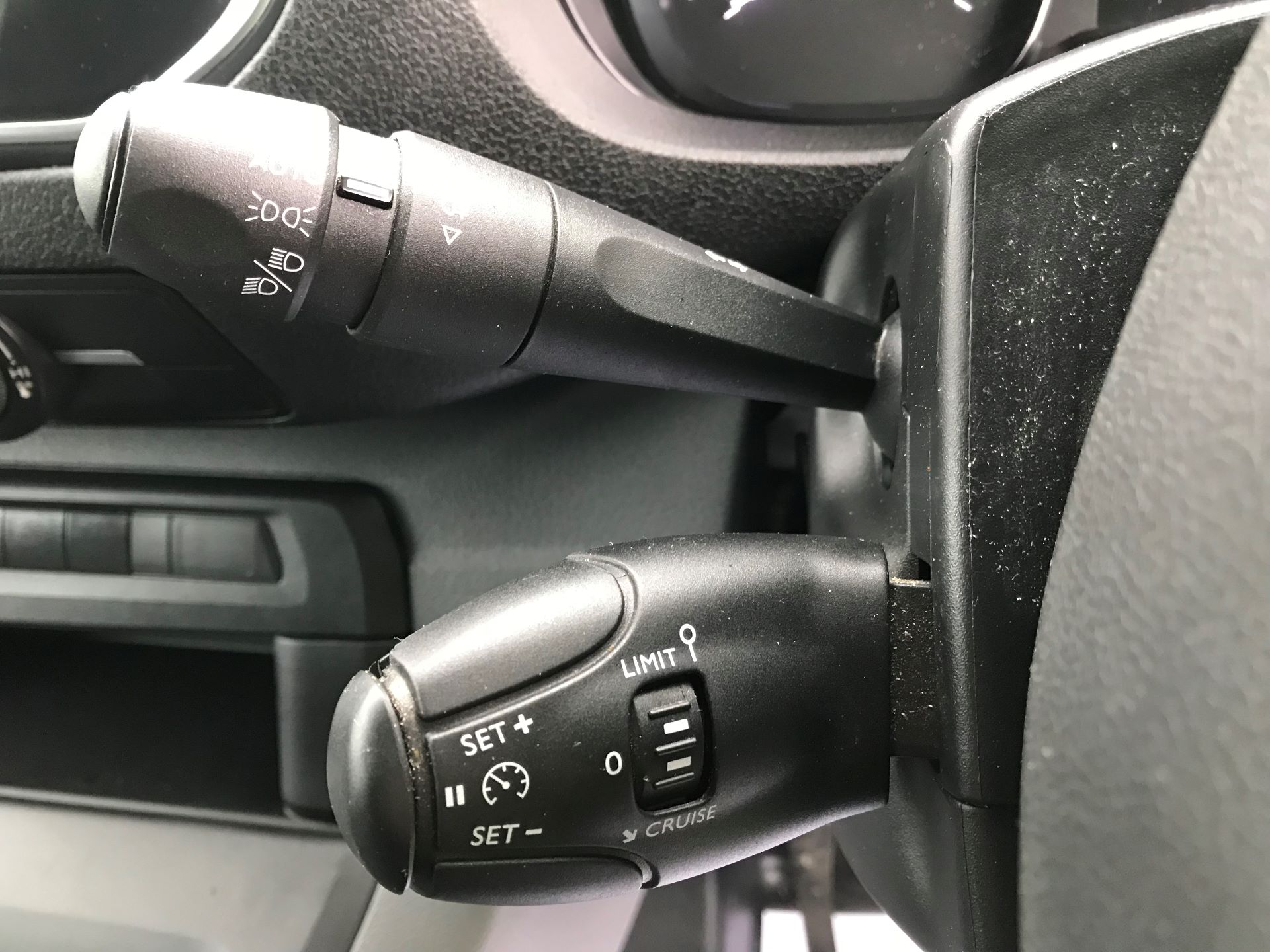 2018 Peugeot Expert   STANDARD 1000 1.6 BLUEHDI 95 PROFFESSIONAL EURO 6 (NU68GNZ) Image 27