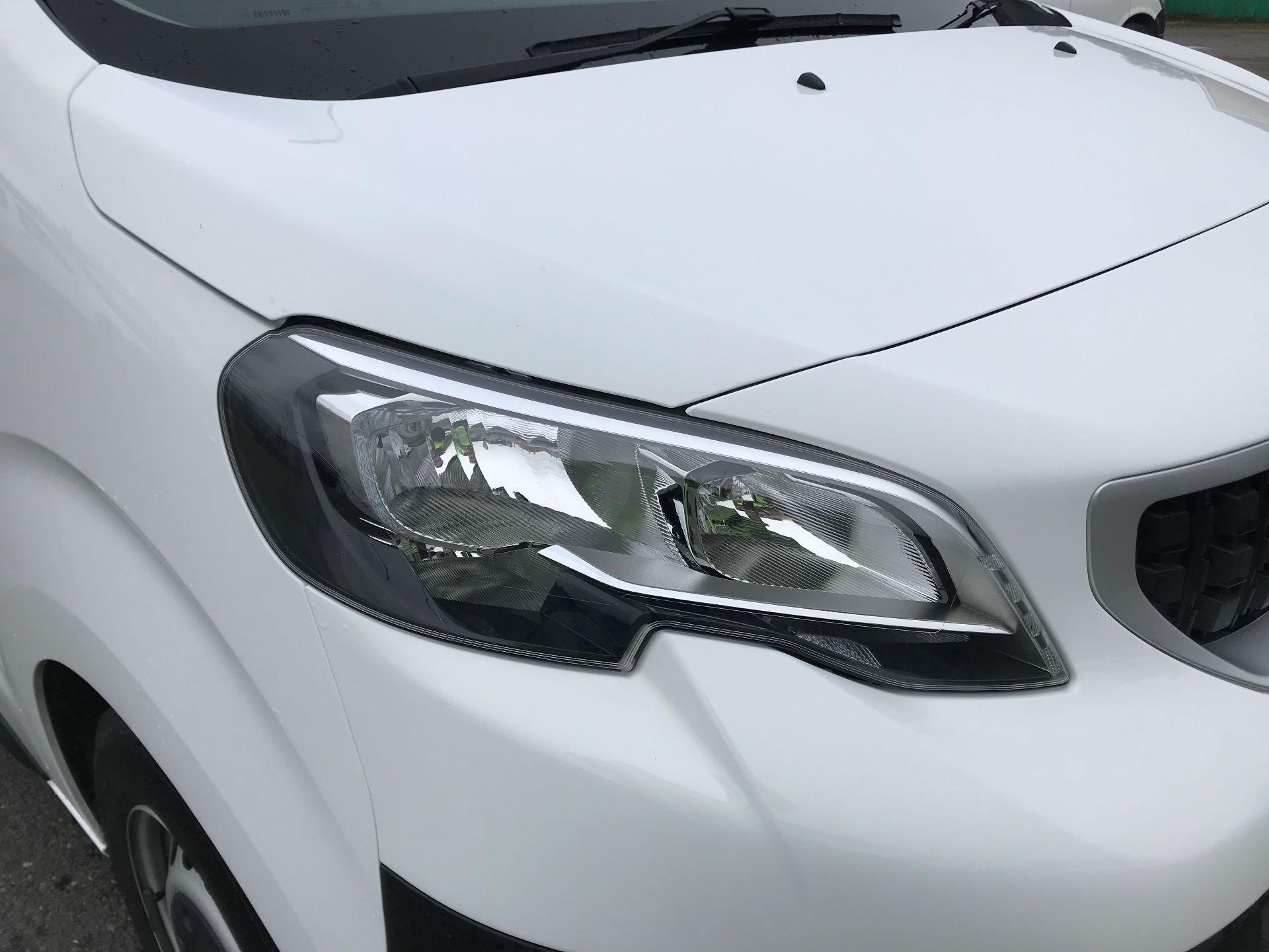 2018 Peugeot Expert   STANDARD 1000 1.6 BLUEHDI 95 PROFFESSIONAL EURO 6 (NU68GNZ) Image 16
