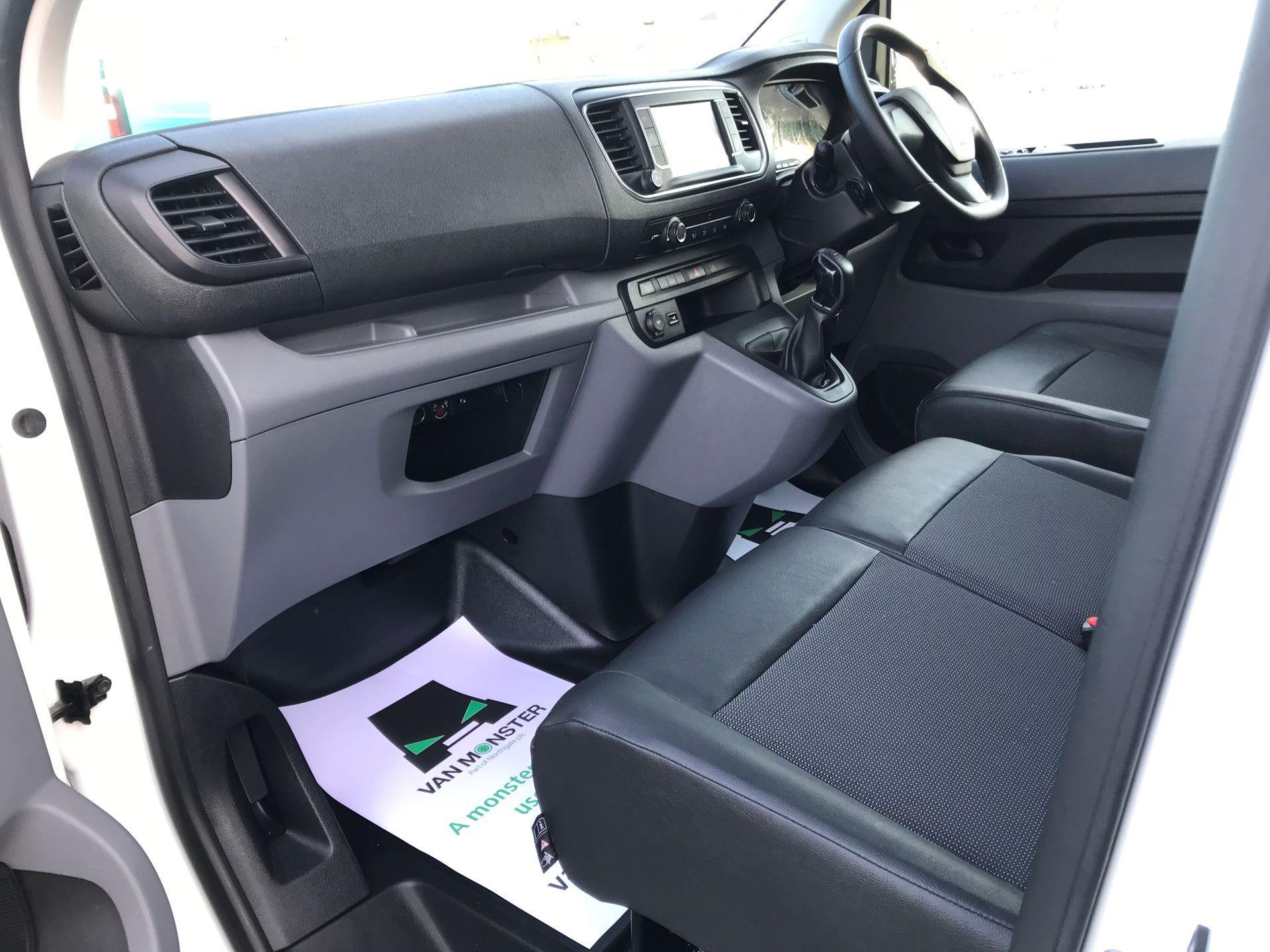 2018 Peugeot Expert  STANDARD 1000 1.6 BLUEHDI 95 PROFFESSIONAL EURO 6 (NU68GUW) Image 21