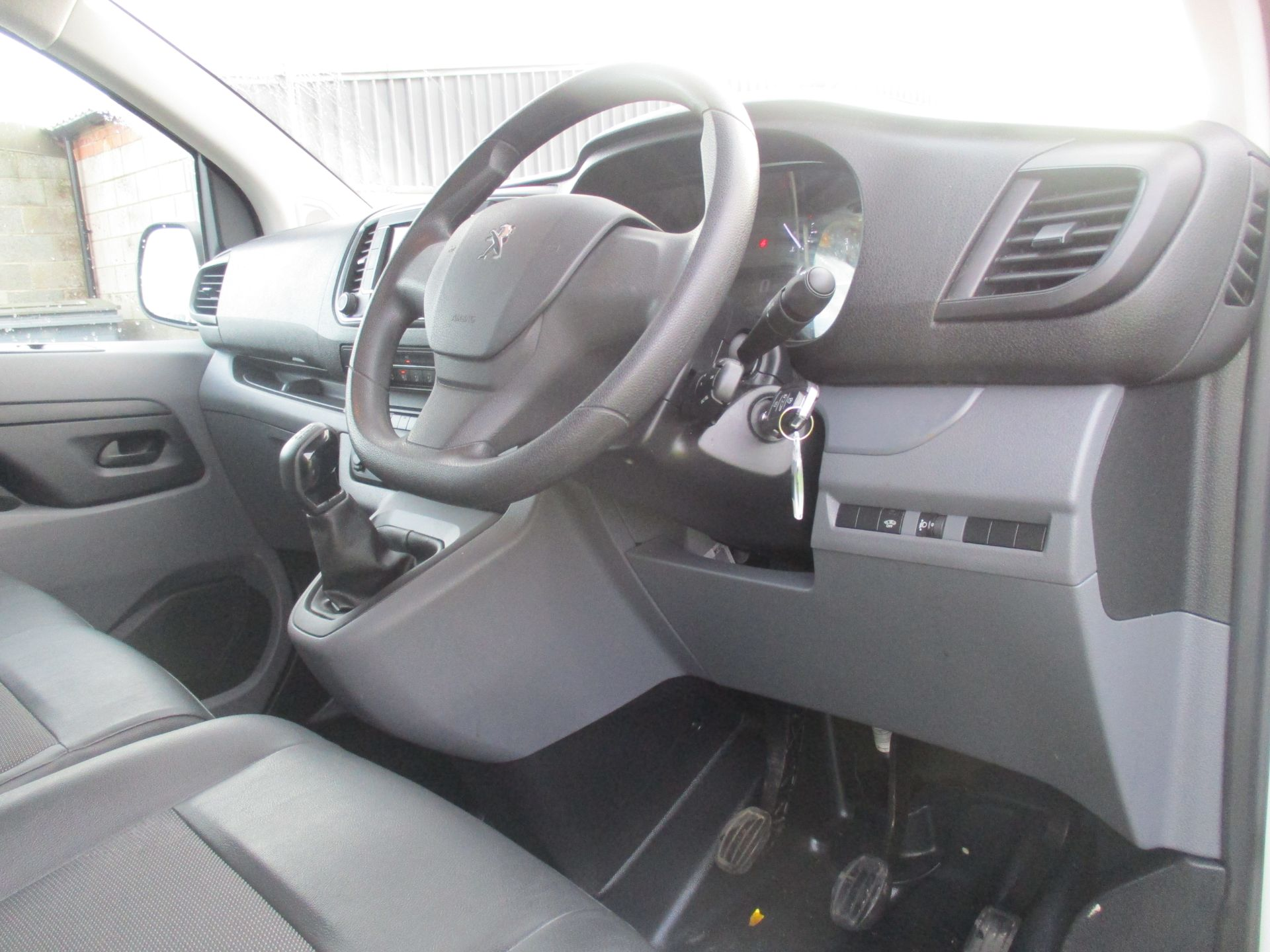 2018 Peugeot Expert STANDARD 1000 1.6 BLUE HDI 95 PROFESSIONAL EURO 6. AIR CON (NU68GXP) Image 14