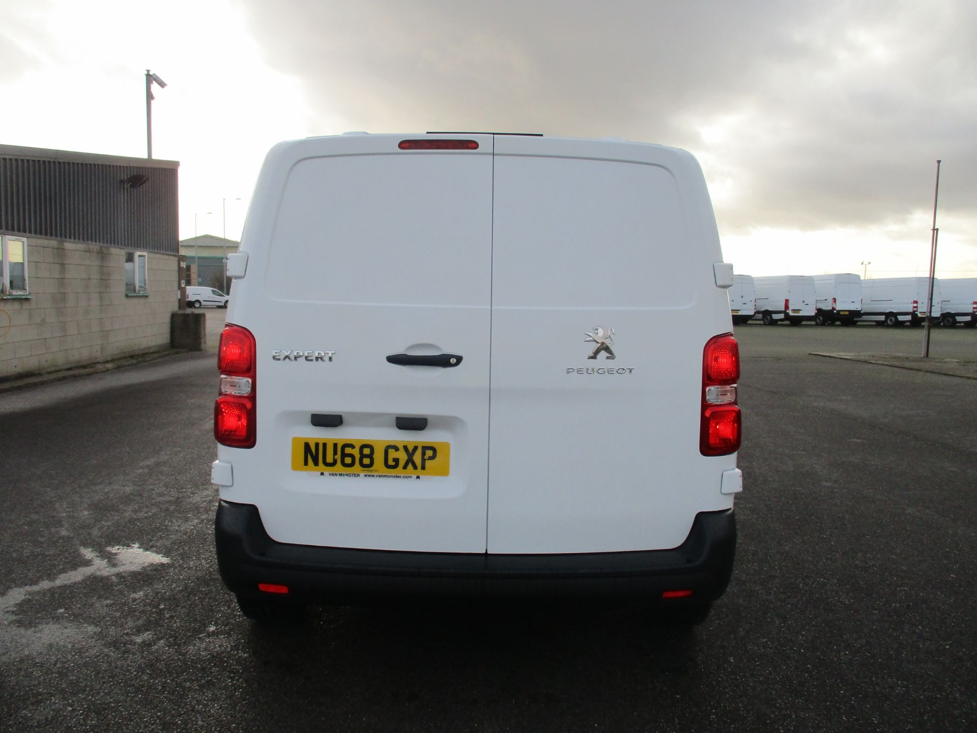2018 Peugeot Expert STANDARD 1000 1.6 BLUE HDI 95 PROFESSIONAL EURO 6. AIR CON (NU68GXP) Image 6