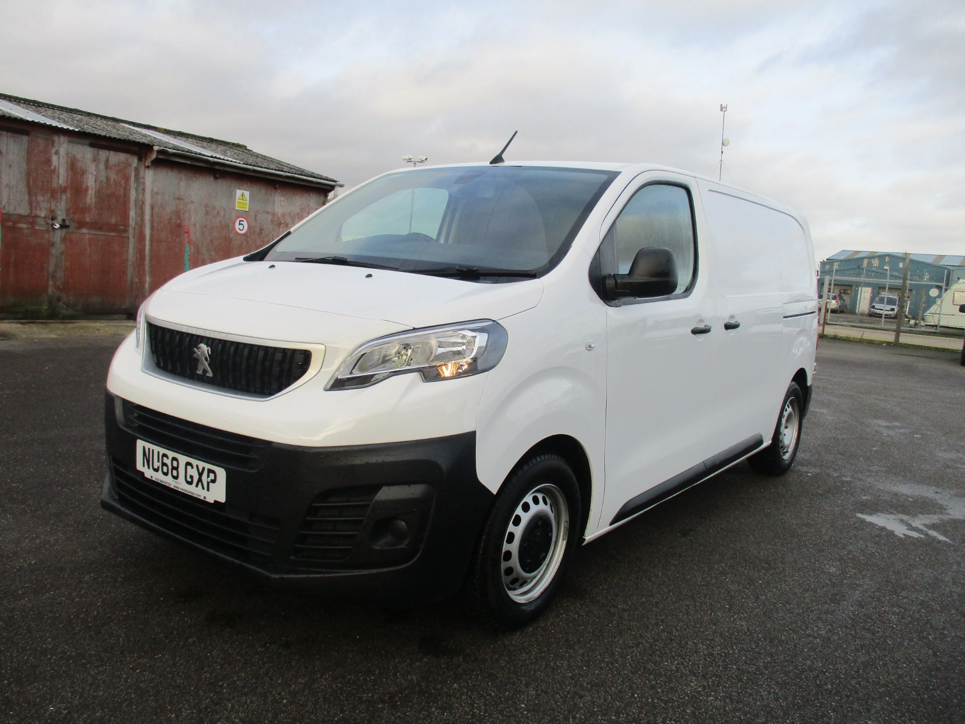 2018 Peugeot Expert STANDARD 1000 1.6 BLUE HDI 95 PROFESSIONAL EURO 6. AIR CON (NU68GXP) Image 3