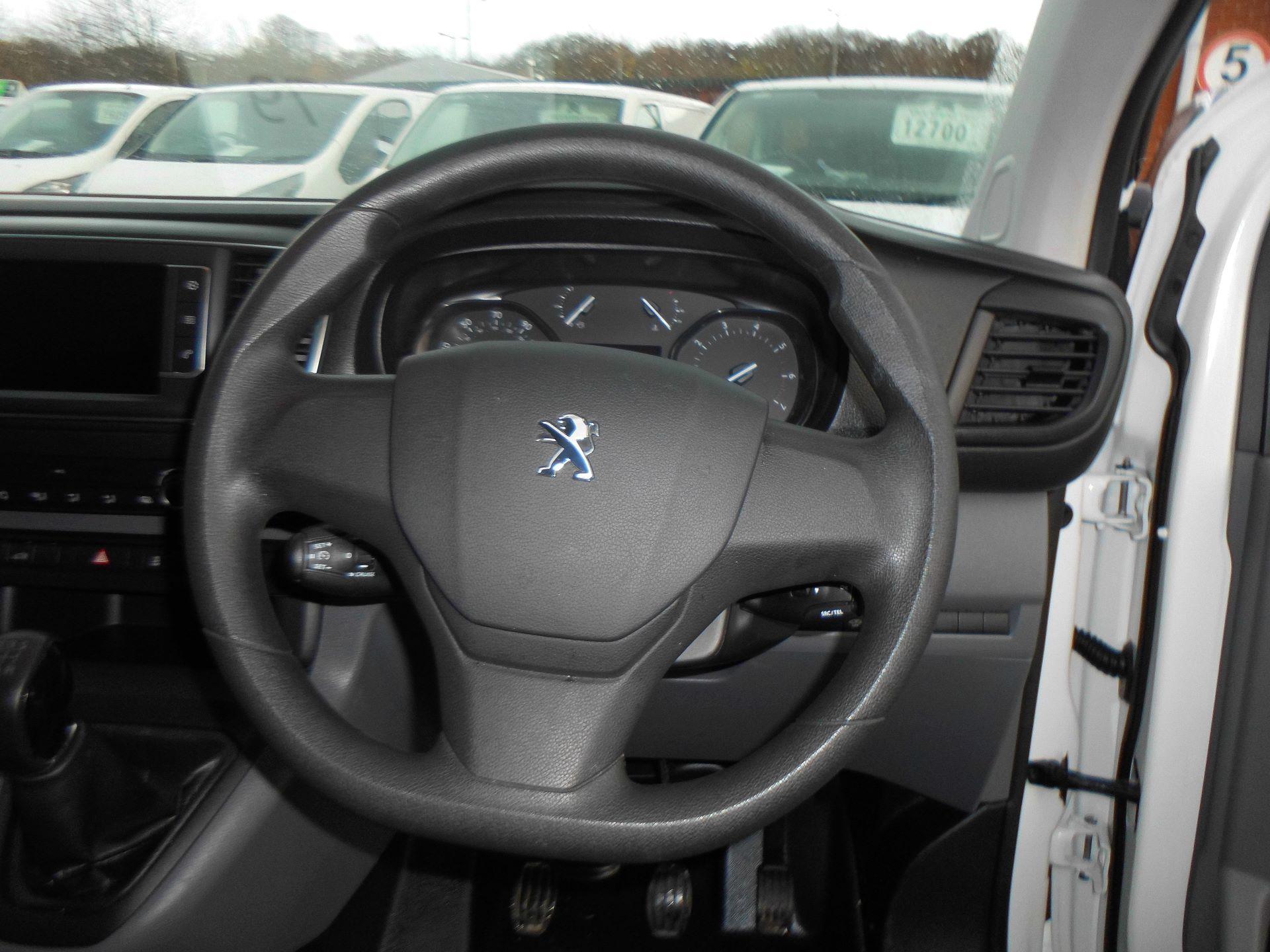 2018 Peugeot Expert STANDARD 1000 1.6 BLUEHDI 95 PROFESSIONAL EURO 6 (NU68GXX) Image 8