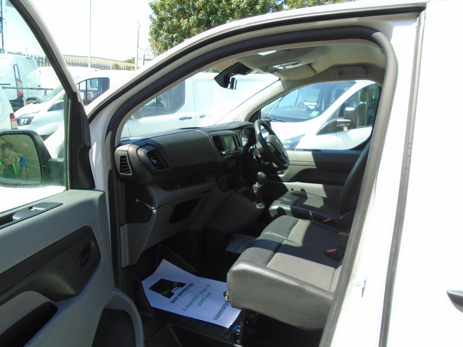 2018 Peugeot Expert 1000 1.6 Bluehdi 95 Professional Van (NU68GZP) Image 13