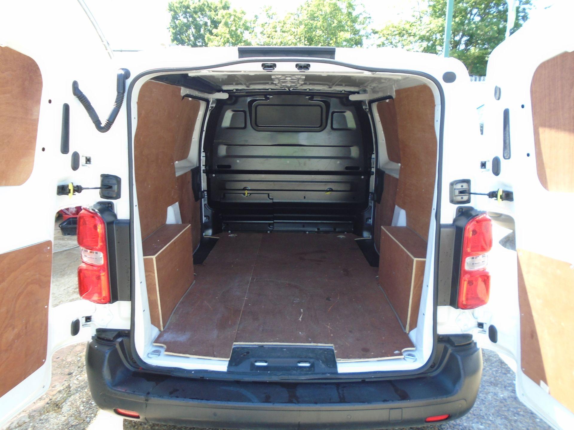 2018 Peugeot Expert 1000 1.6 Bluehdi 95 Professional Van (NU68GZP) Image 12