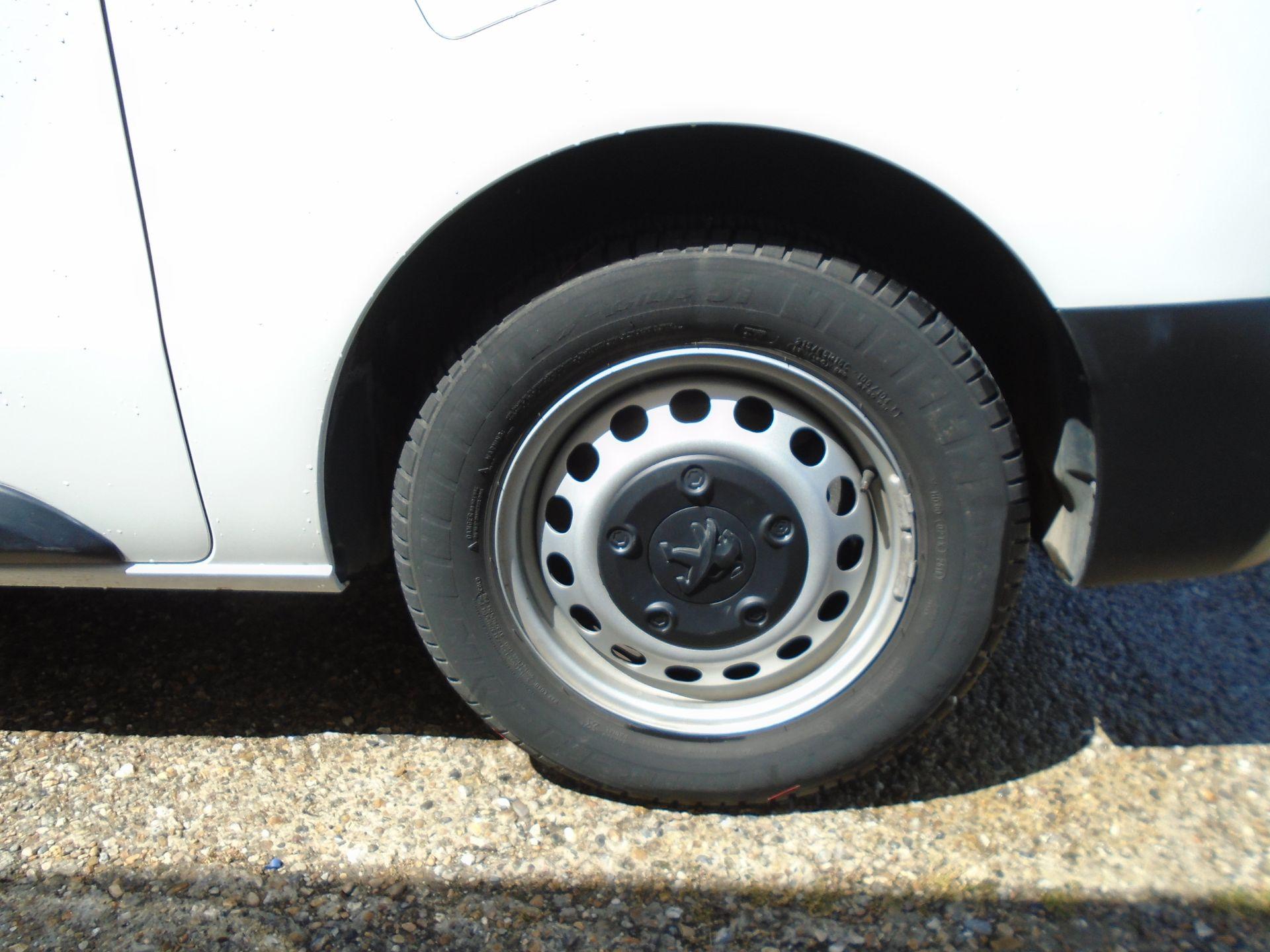 2018 Peugeot Expert 1000 1.6 Bluehdi 95 Professional Van (NU68GZP) Image 10