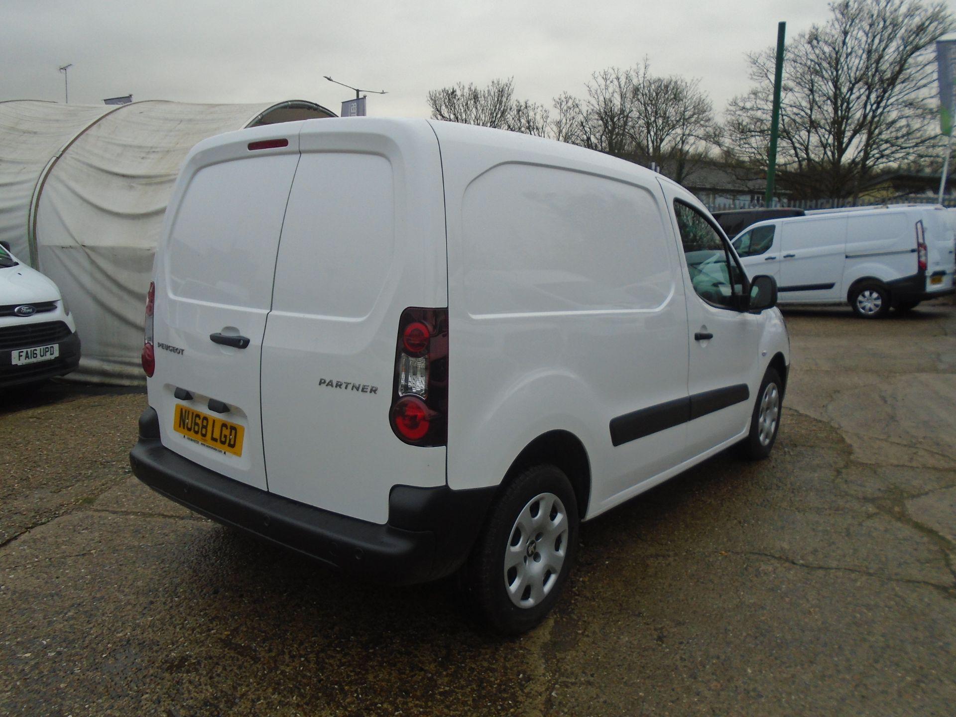 2018 Peugeot Partner 850 1.6 Bluehdi 100 Professional Van [Non Ss] (NU68LGD) Image 11