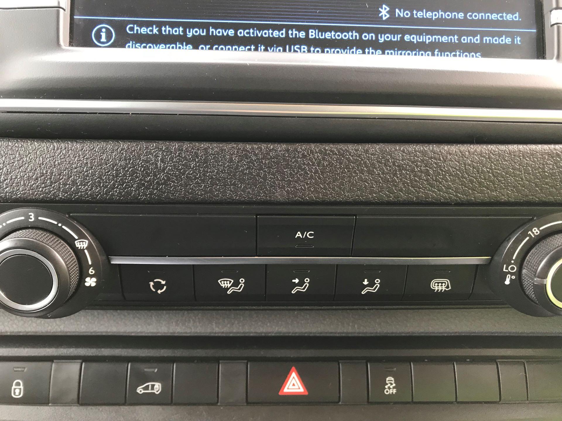 2018 Peugeot Expert   STANDARD 1000 1.6 BLUEHDI 95 PROFFESSIONAL EURO 6 (NU68MWN) Image 26