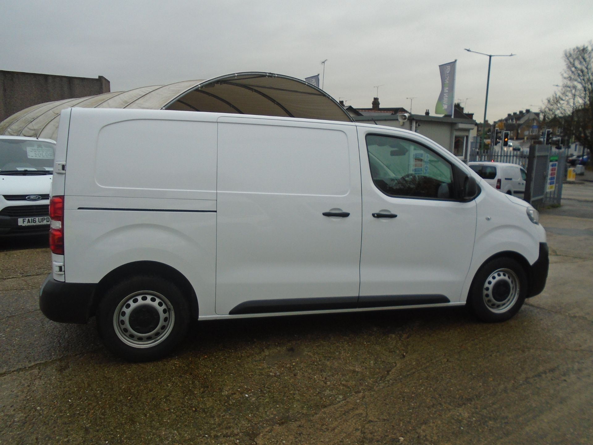 2018 Peugeot Expert 1000 1.6 Bluehdi 95 S Van (NU68ODT) Image 12