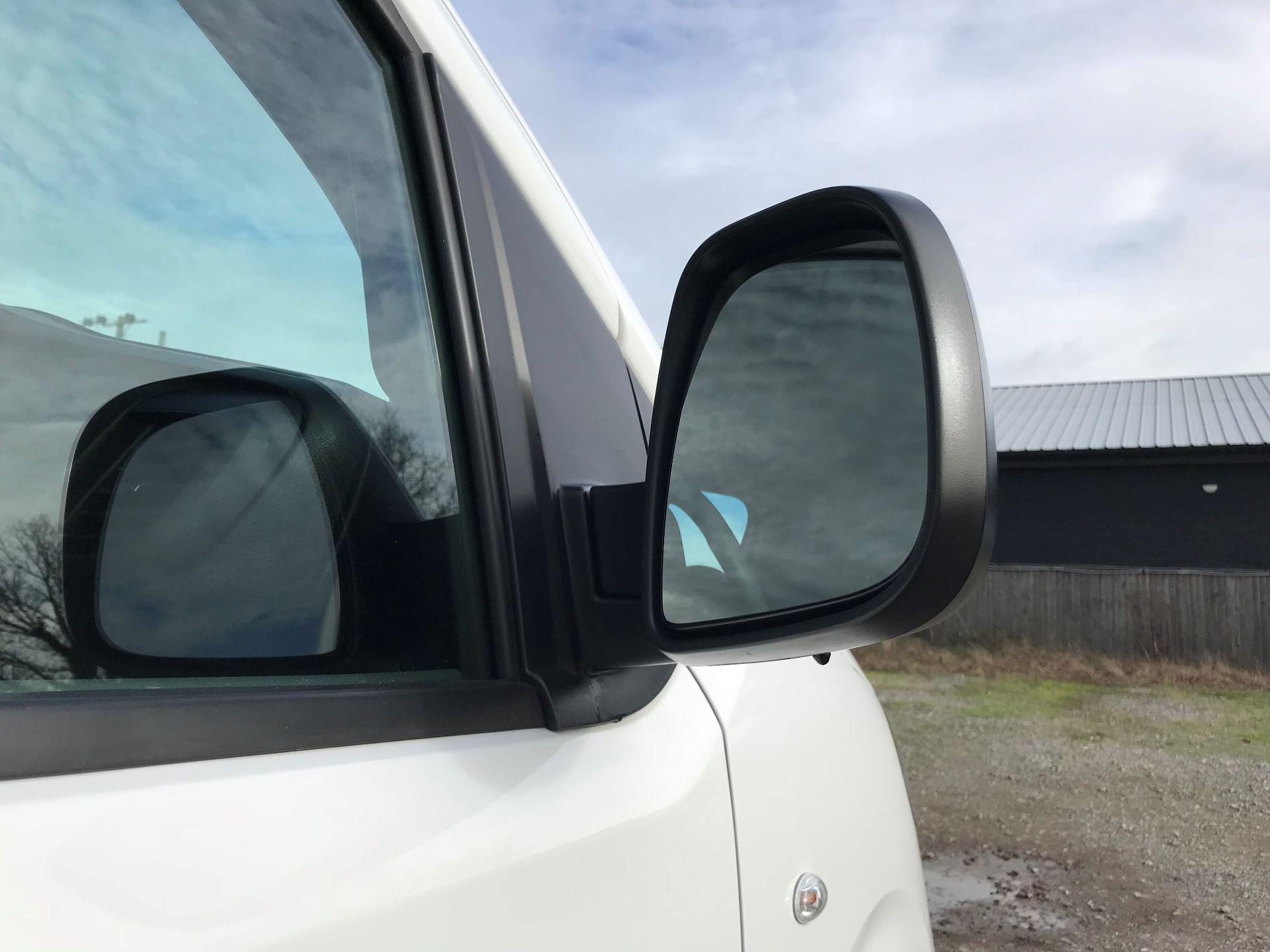 2018 Peugeot Expert  STANDARD 1000 1.6 BLUEHDI 95 S EURO 6 (NU68OFJ) Image 14