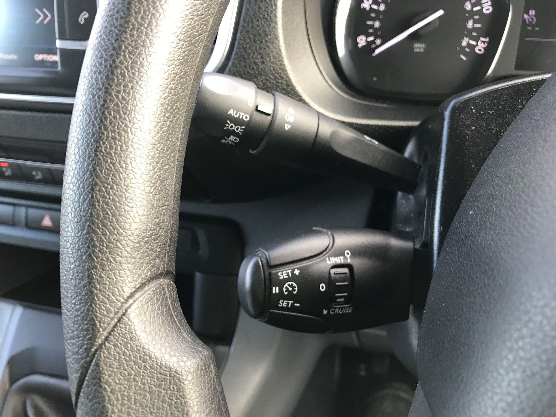 2018 Peugeot Expert  STANDARD 1000 1.6 BLUEHDI 95 S EURO 6 (NU68OFJ) Image 28