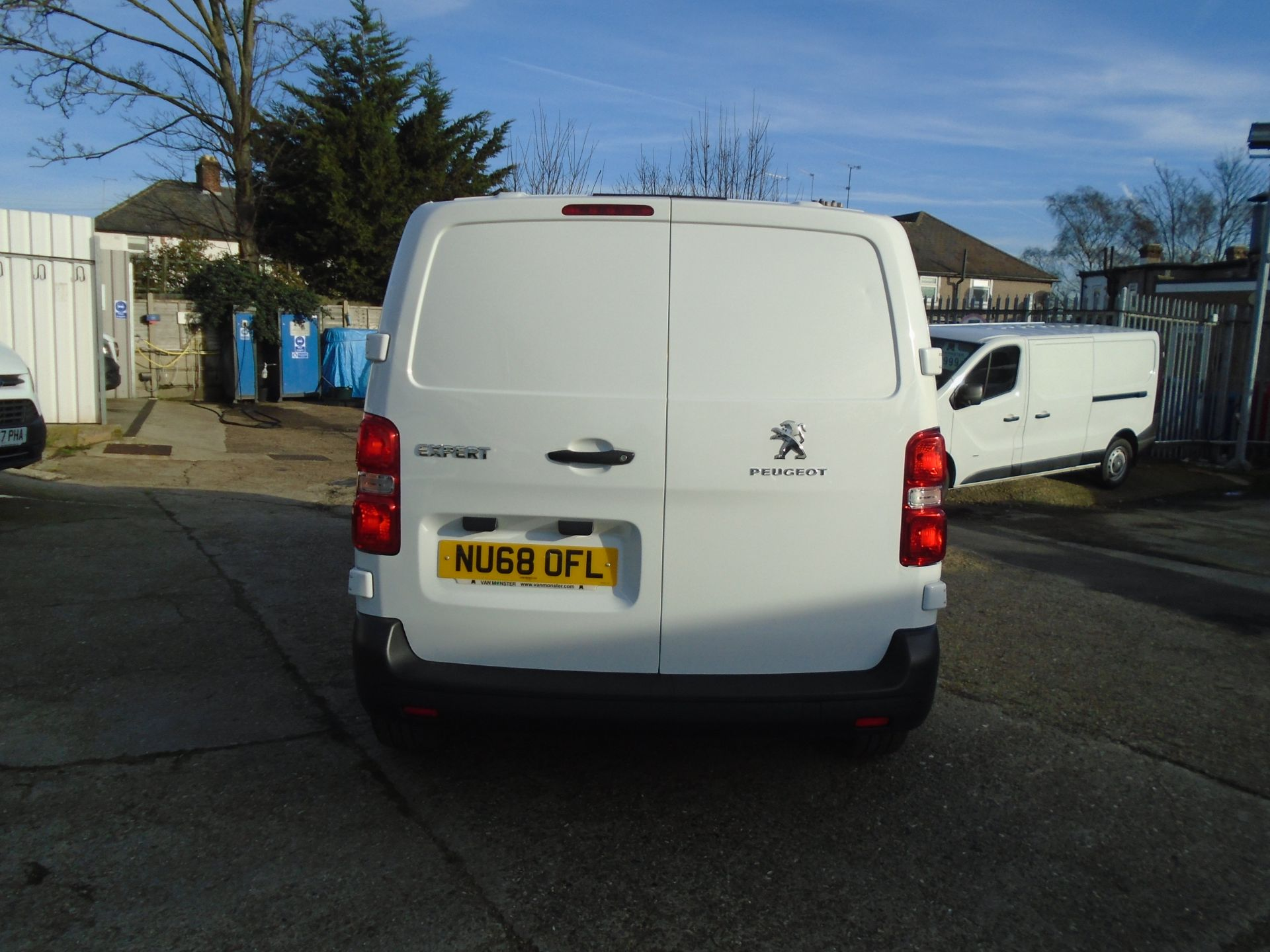 2018 Peugeot Expert 1000 1.6 Bluehdi 95 Professional Van (NU68OFL) Image 9