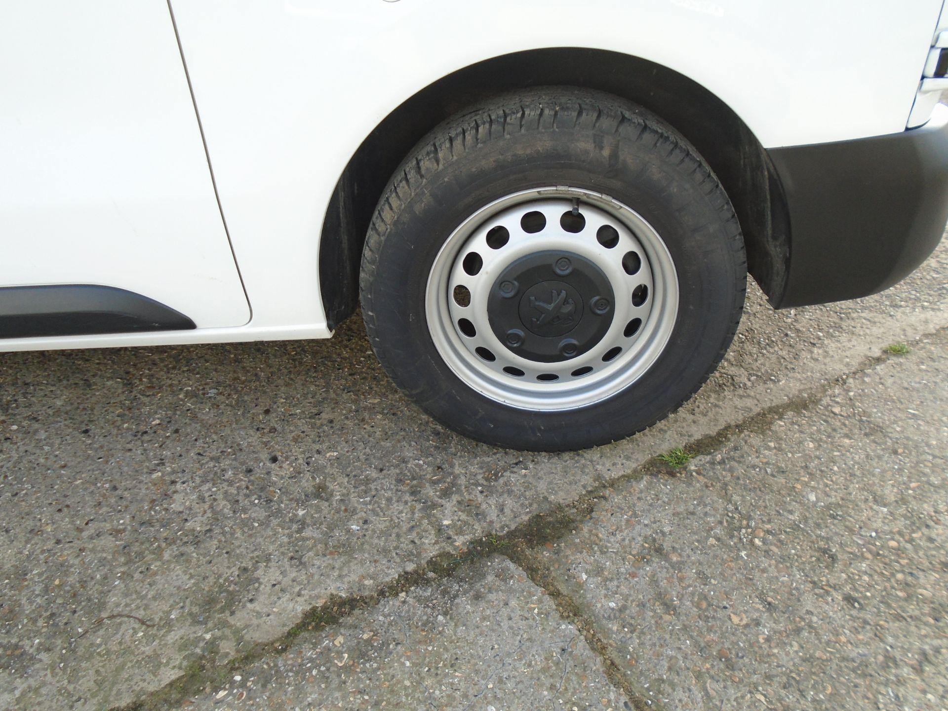 2018 Peugeot Expert 1000 1.6 Bluehdi 95 Professional Van (NU68OFL) Image 7