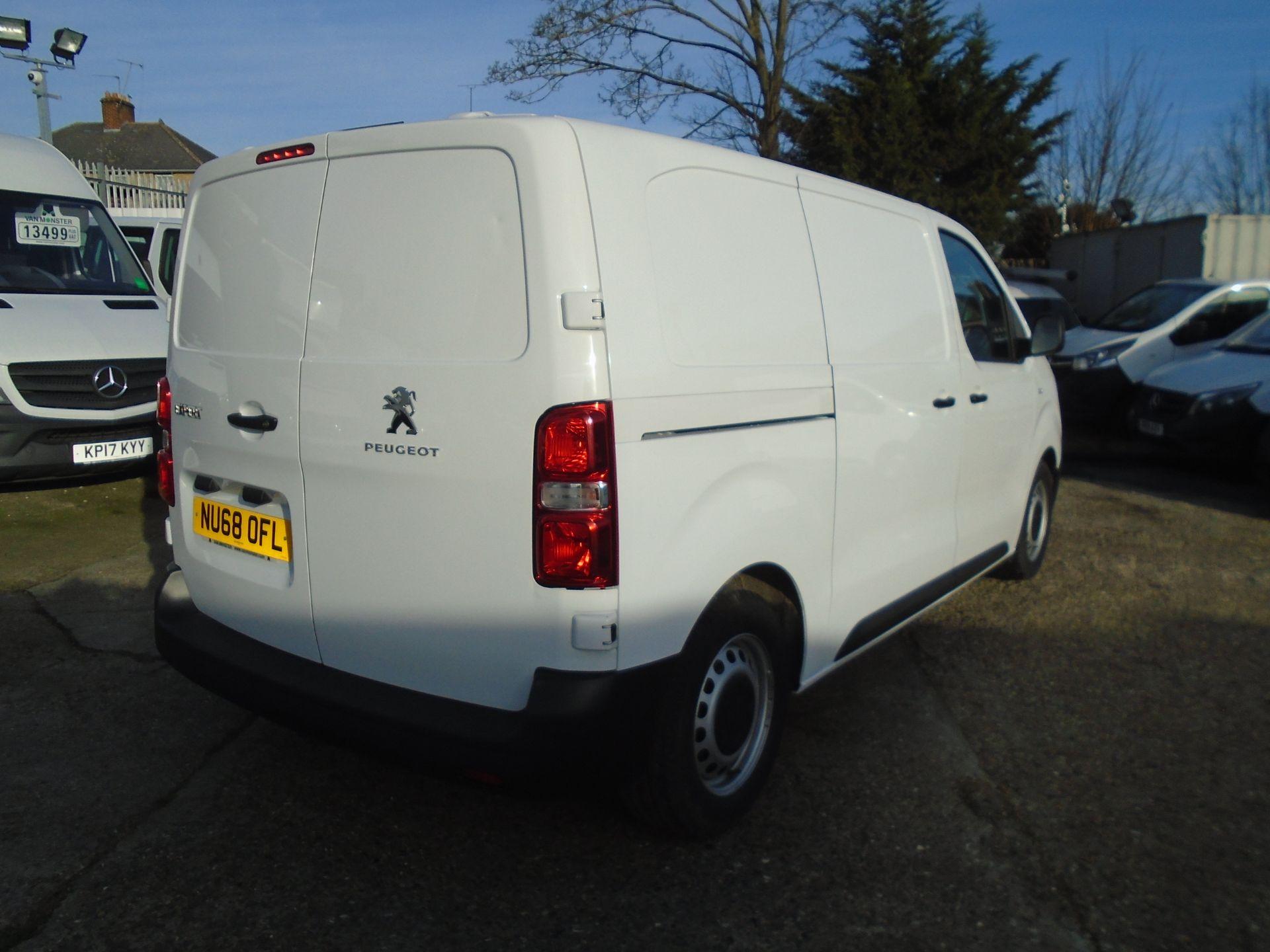2018 Peugeot Expert 1000 1.6 Bluehdi 95 Professional Van (NU68OFL) Image 12