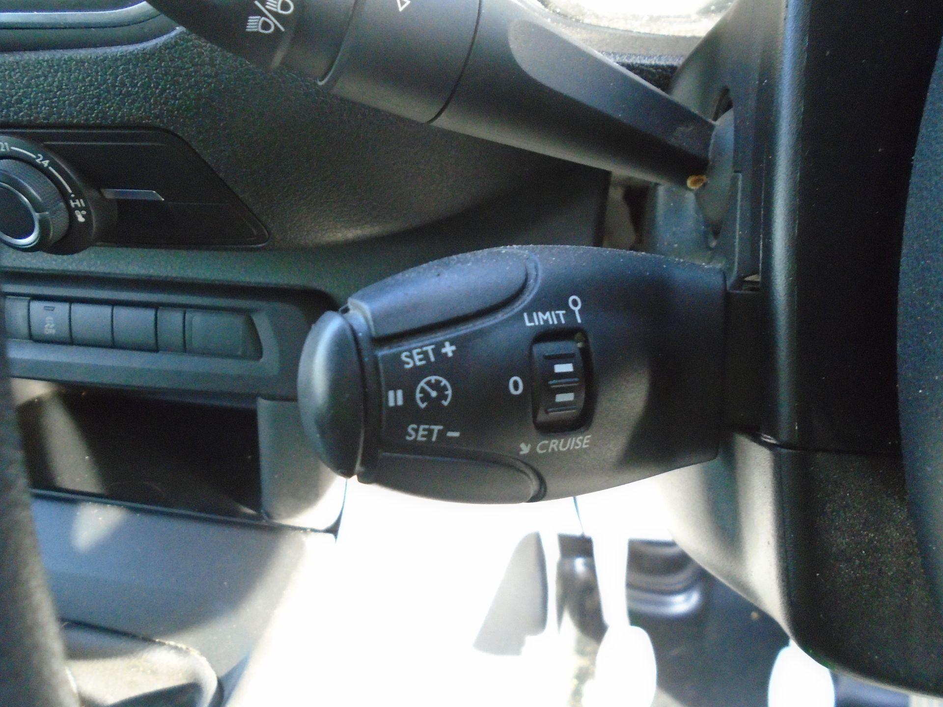 2018 Peugeot Expert 1000 1.6 Bluehdi 95 Professional Van (NU68OFL) Image 25