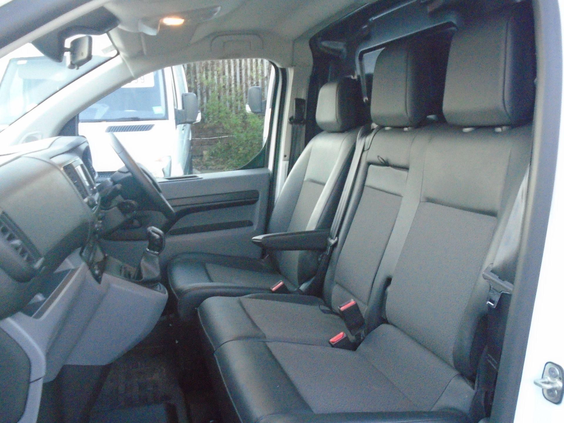 2018 Peugeot Expert 1000 1.6 Bluehdi 95 Professional Van (NU68OJM) Image 16