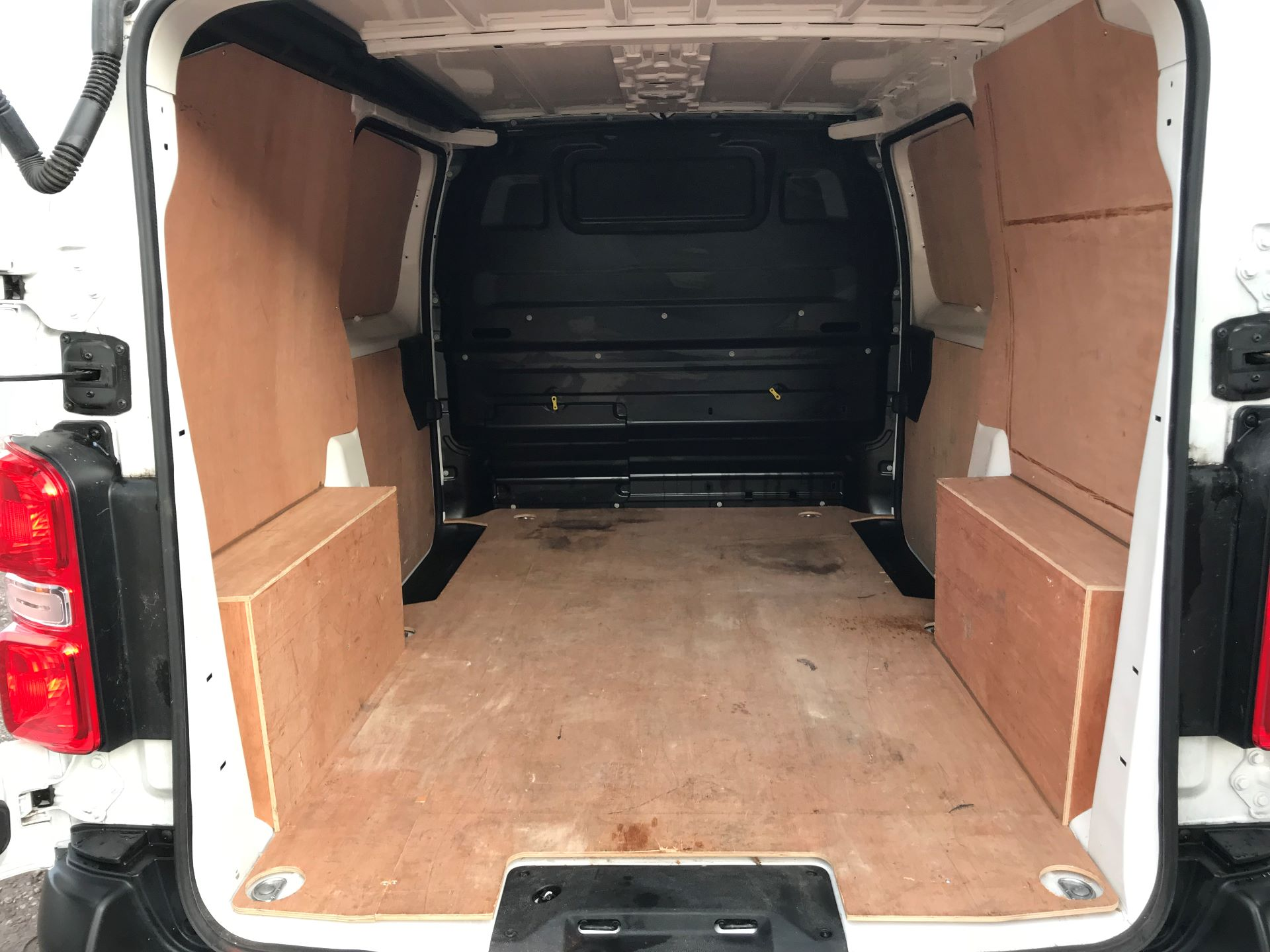 2018 Peugeot Expert 1000 1.6 Bluehdi 95 Professional Van (NU68OJS) Image 8