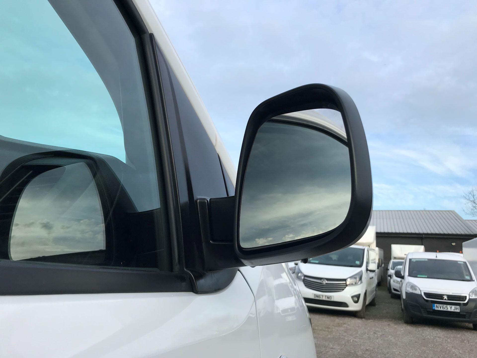 2018 Peugeot Expert 1000 1.6 Bluehdi 95 Professional Van (NU68OJS) Image 14