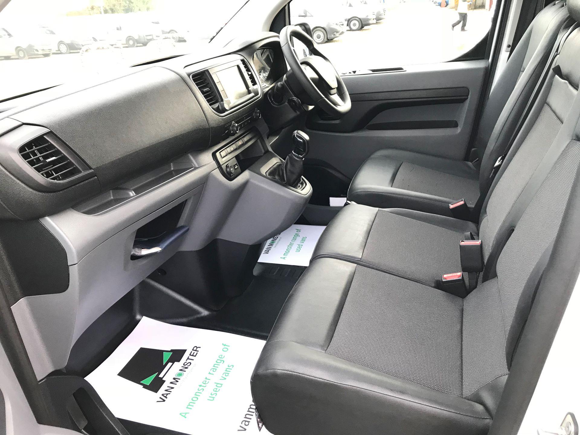 2018 Peugeot Expert 1000 1.6 Bluehdi 95 Professional Van (NU68OJS) Image 22