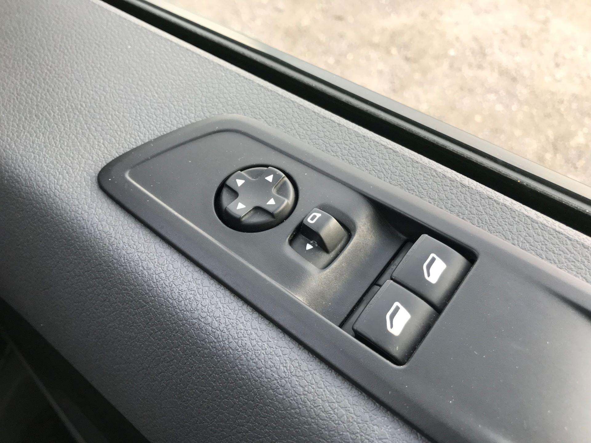 2018 Peugeot Expert 1000 1.6 Bluehdi 95 Professional Van (NU68OJS) Image 30