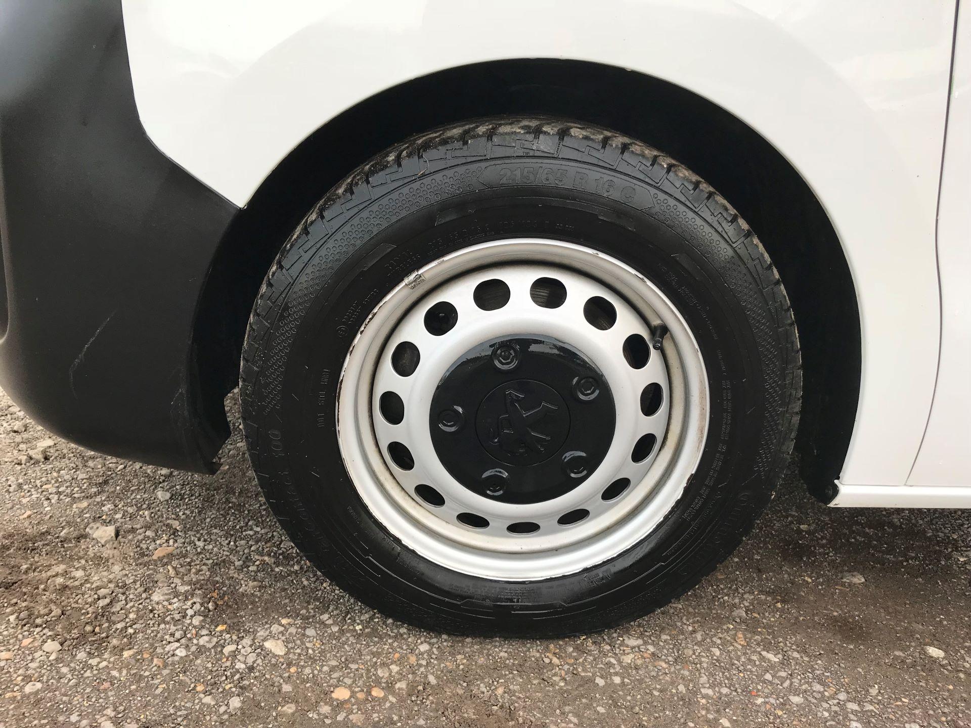 2018 Peugeot Expert 1000 1.6 Bluehdi 95 Professional Van (NU68OJS) Image 21