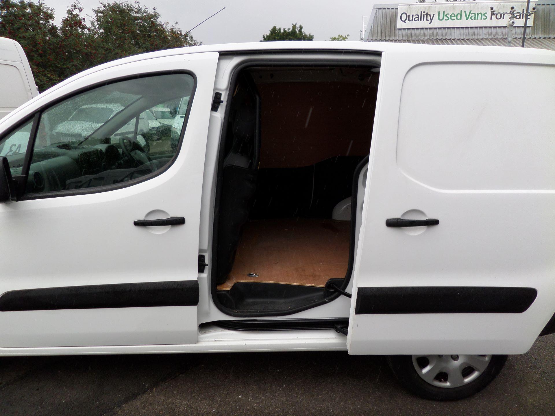 2014 Peugeot Partner 850 S 1.6 Hdi 92 Van [Sld] Euro 5 (NV14CRJ) Image 15