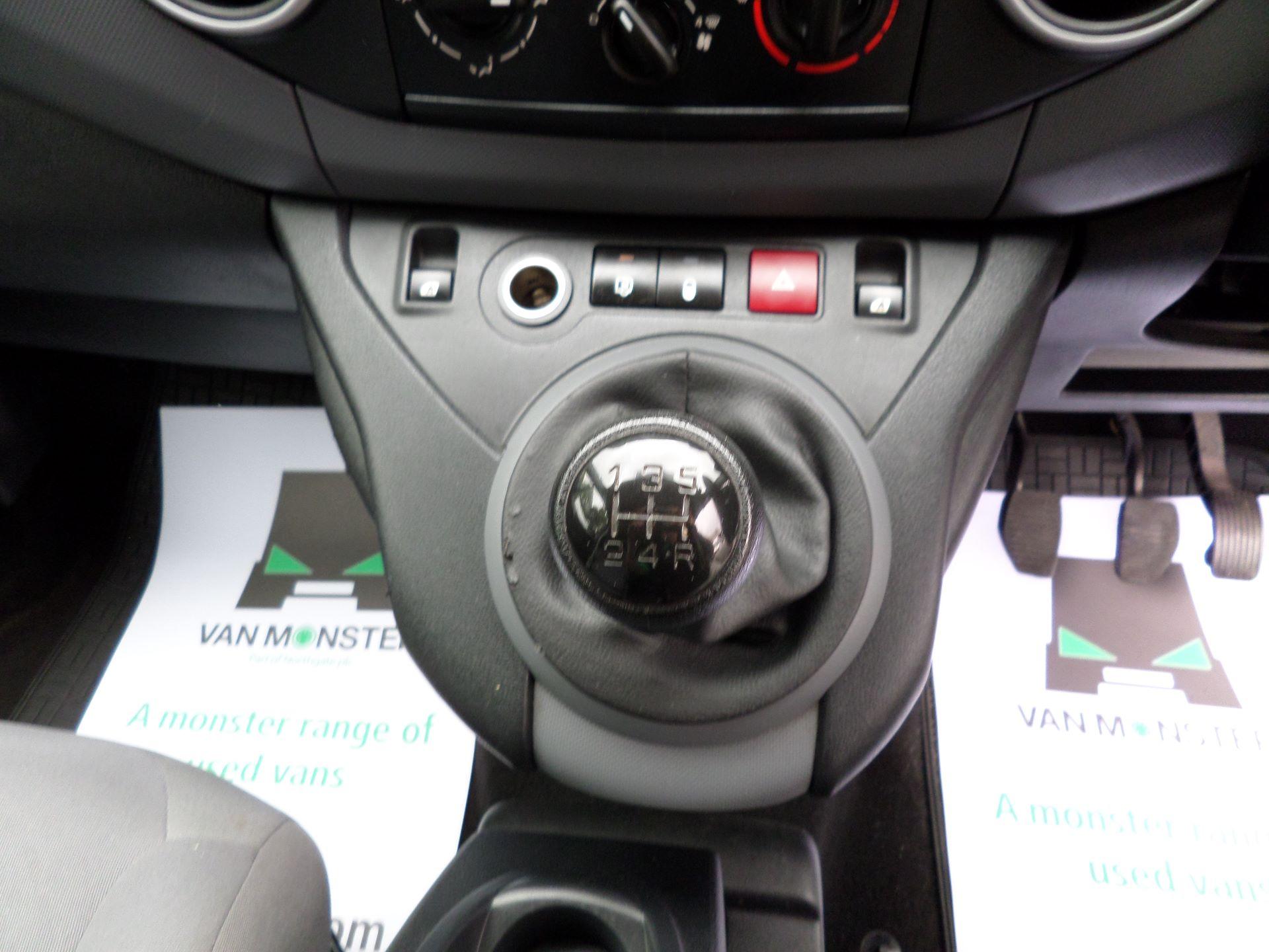 2014 Peugeot Partner 850 S 1.6 Hdi 92 Van [Sld] Euro 5 (NV14CRJ) Image 4