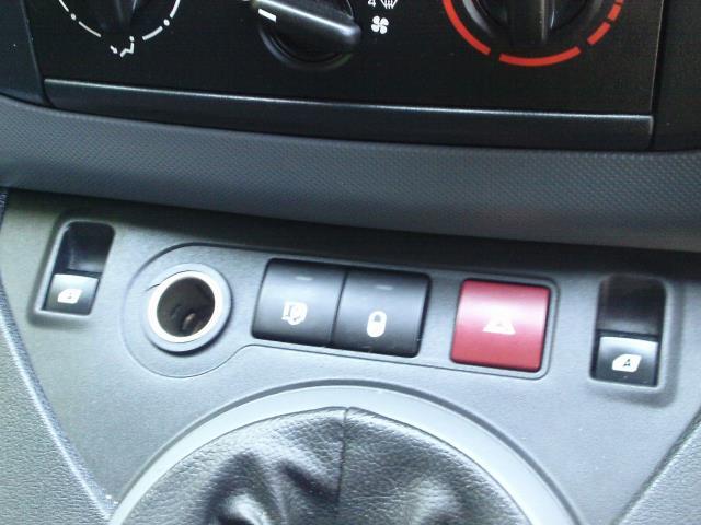 2014 Peugeot Partner L1 850 S 1.6 92PS (SLD) EURO 5 (NV14PPF) Image 27
