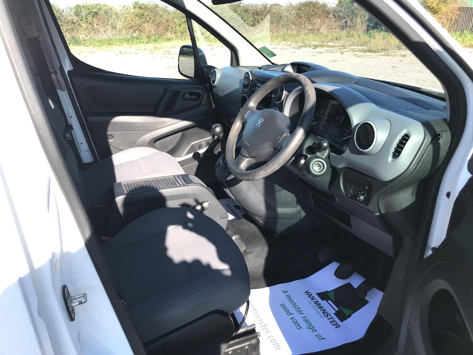 2015 Peugeot Partner L2 716 1.6 92PS CREW VAN EURO 5 (NV15AKF) Image 9