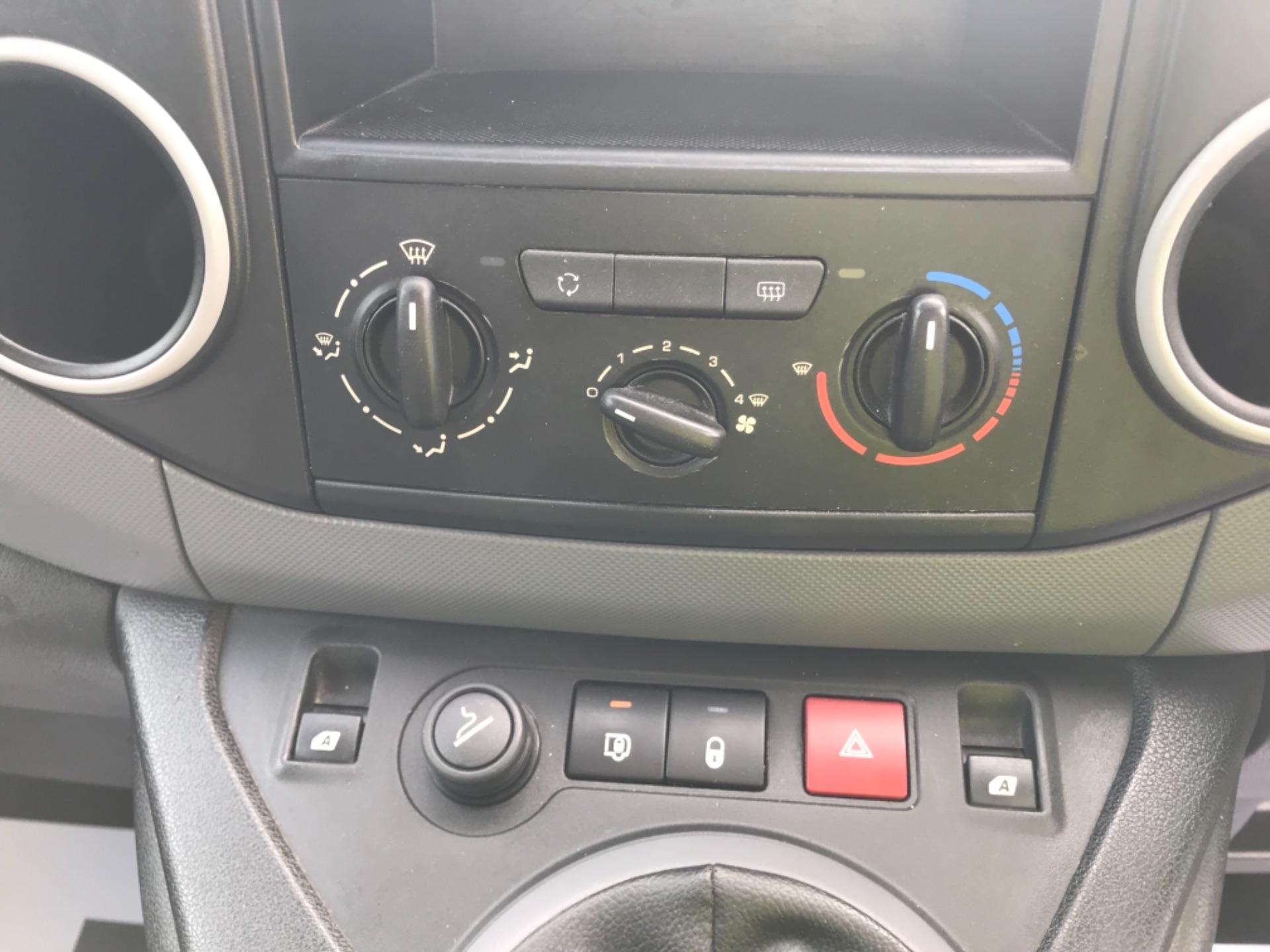 2015 Peugeot Partner L2 716 1.6 92 CREW VAN EURO 5 (NV15AMX) Image 16