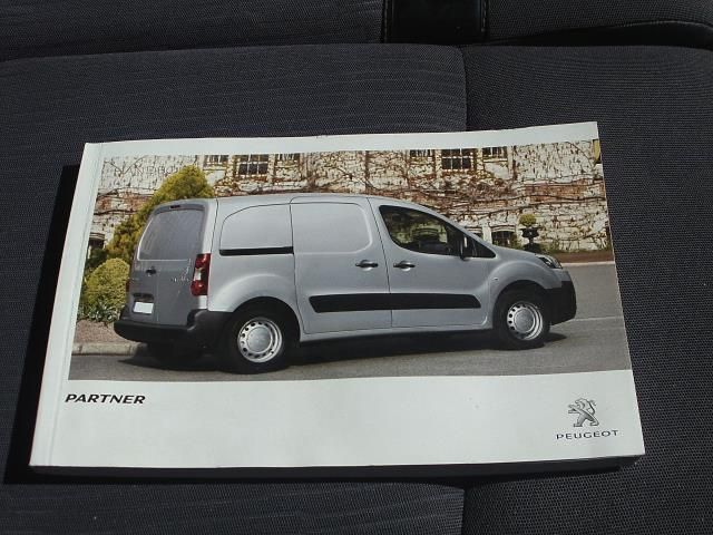 2015 Peugeot Partner L1 850 SE 1.6 92PS EURO 5 (NV15EZD) Thumbnail 29