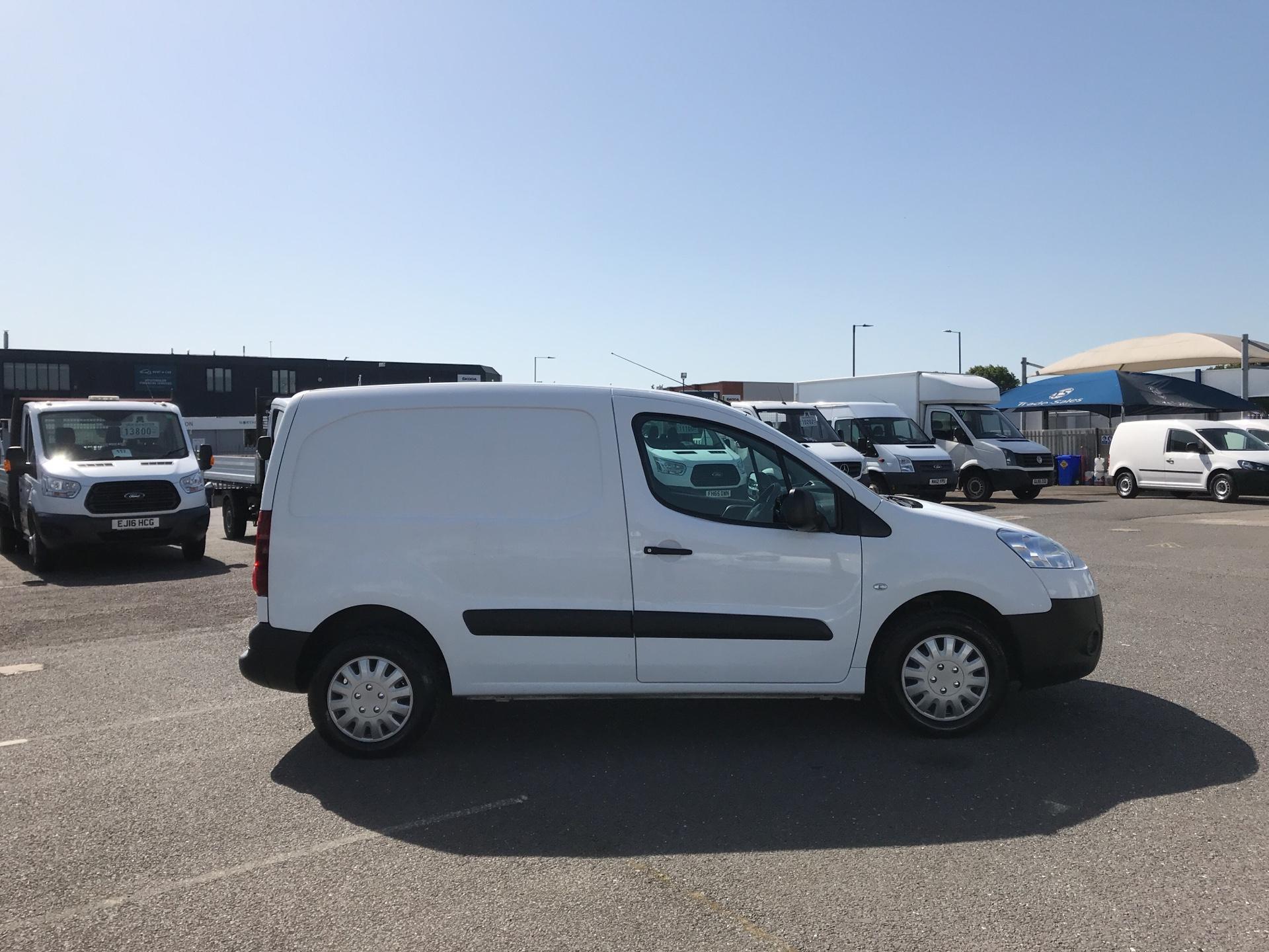 2015 Peugeot Partner  L1 850 1.6 92PS (SLD) EURO 5  (NV15FAO) Image 2
