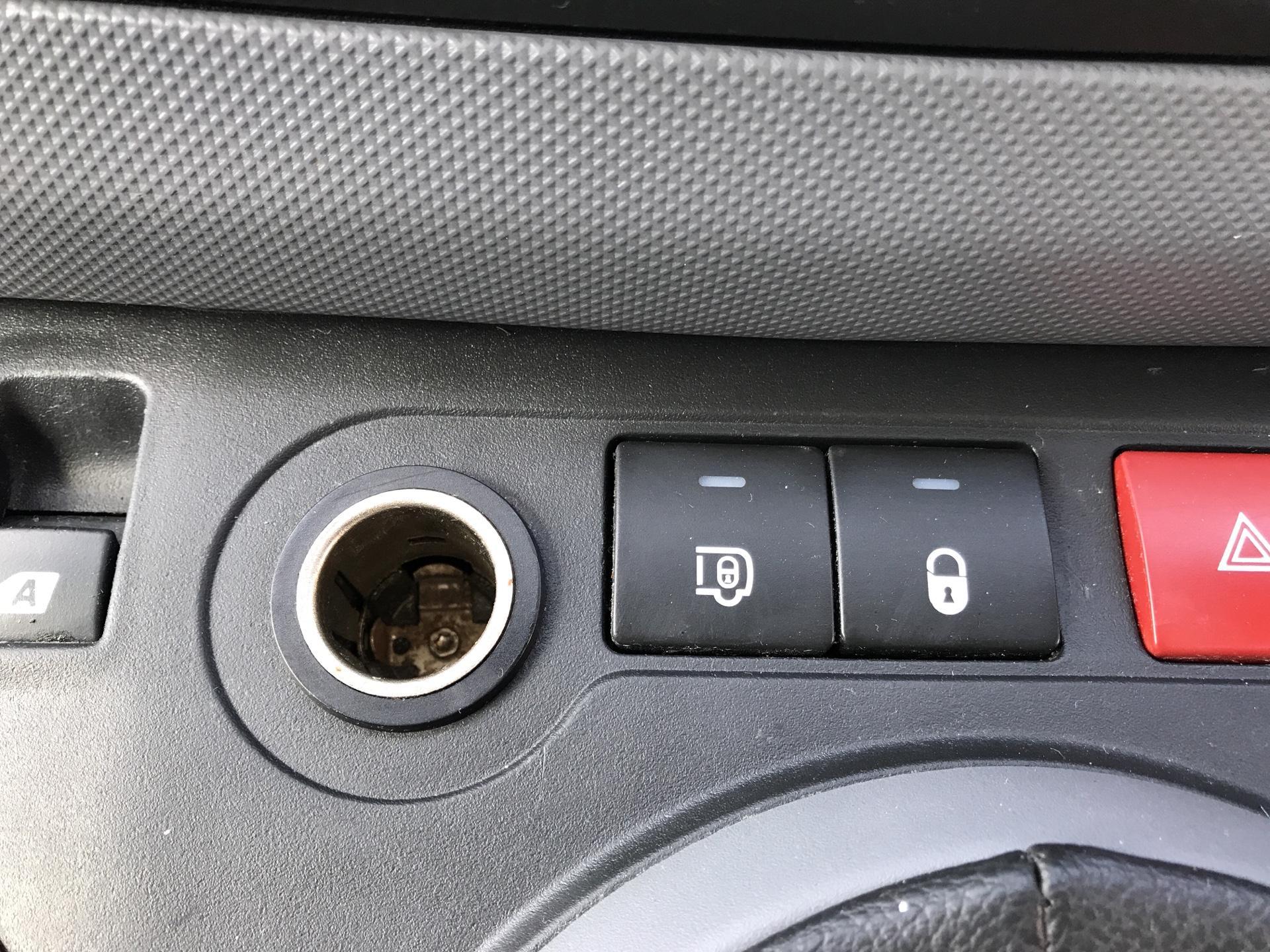 2015 Peugeot Partner  L1 850 1.6 92PS (SLD) EURO 5  (NV15FAO) Image 21