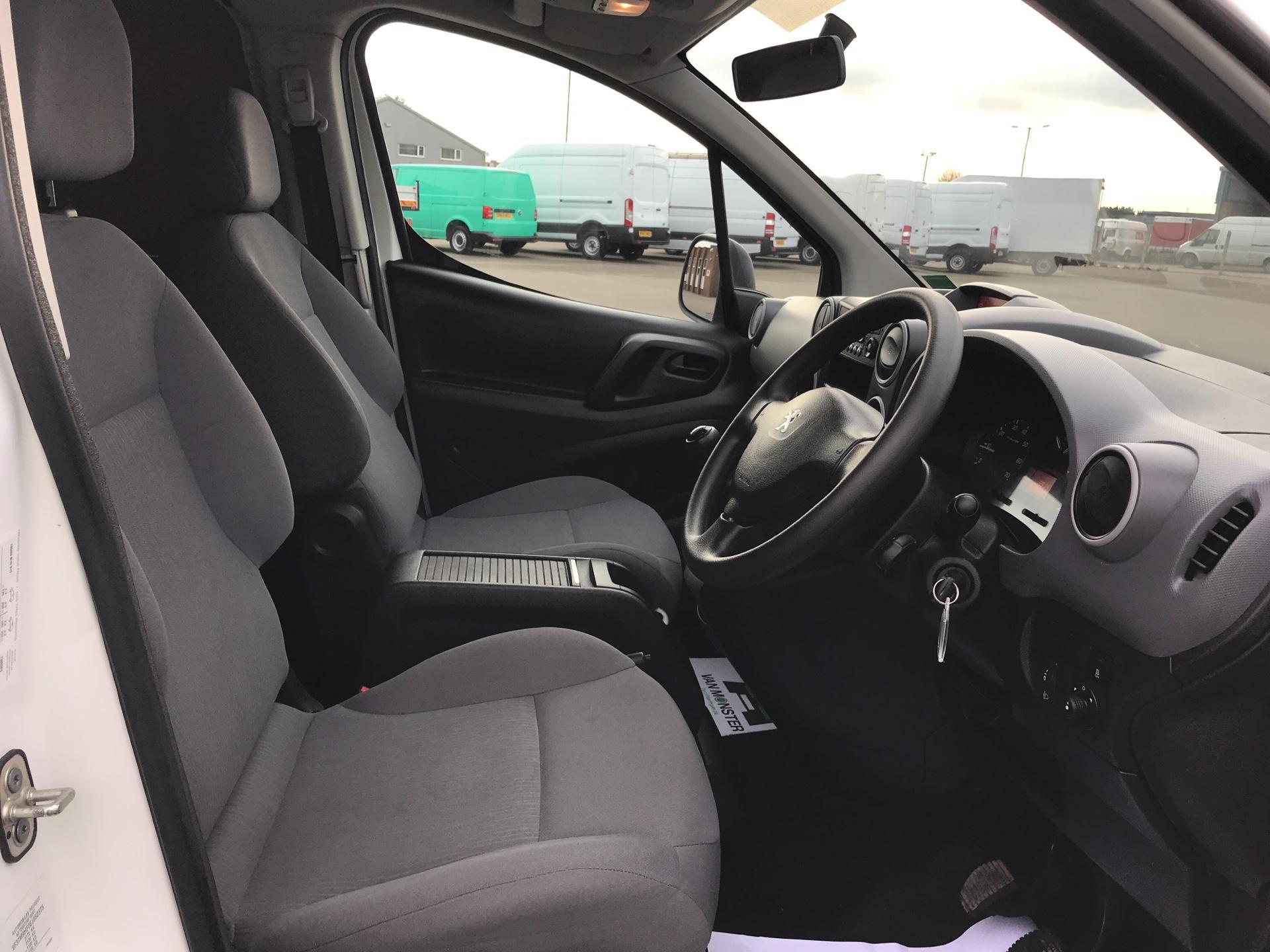 2015 Peugeot Partner L2 716 1.6 92 CREW VAN EURO 5 (NV15HRD) Image 9