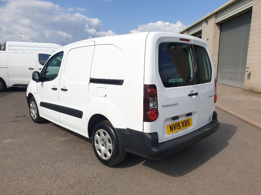 2015 Peugeot Partner *VALUE RANGE VEHICLE CONDITION REFLECTED IN PRICE* L2 716 1.6 92 CREW VAN EURO 5 *SPEED RESTRICTER SET @ 70MPH* (NV15XBS) Image 7