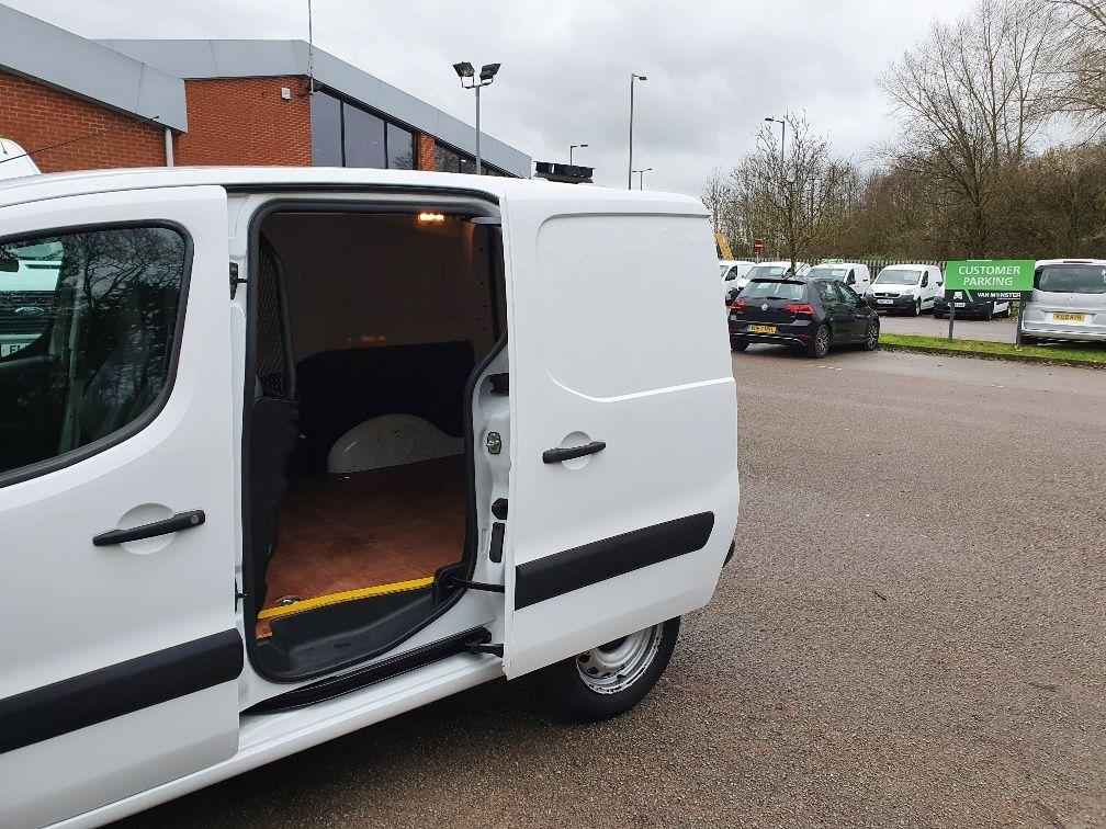2016 Peugeot Partner 850 S 1.6 Hdi 92 Van [Sld] (NV16AWX) Image 14