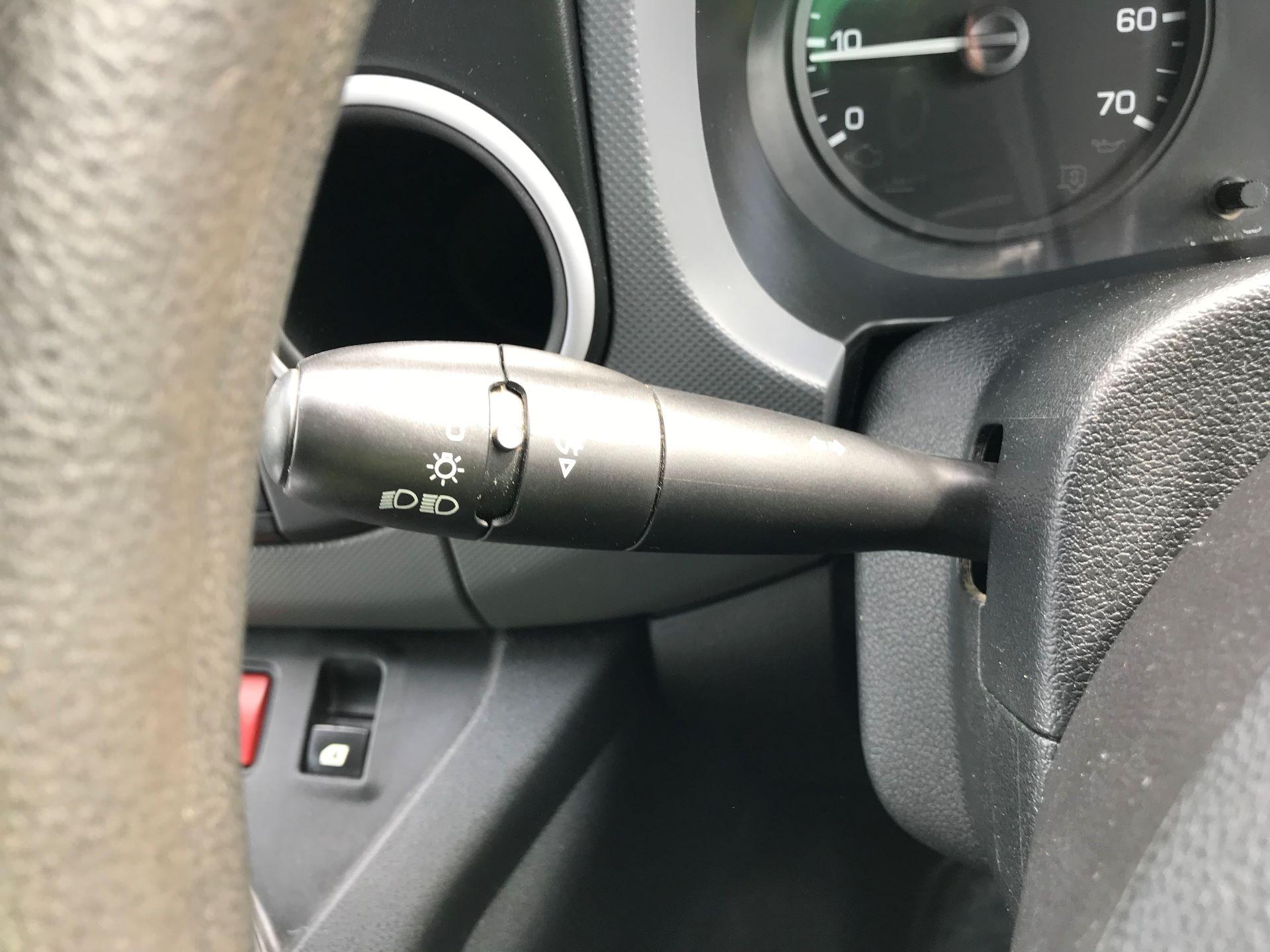 2016 Peugeot Partner L1 850 S 1.6 92PS [SLD] EURO 5 (NV16FNA) Image 26