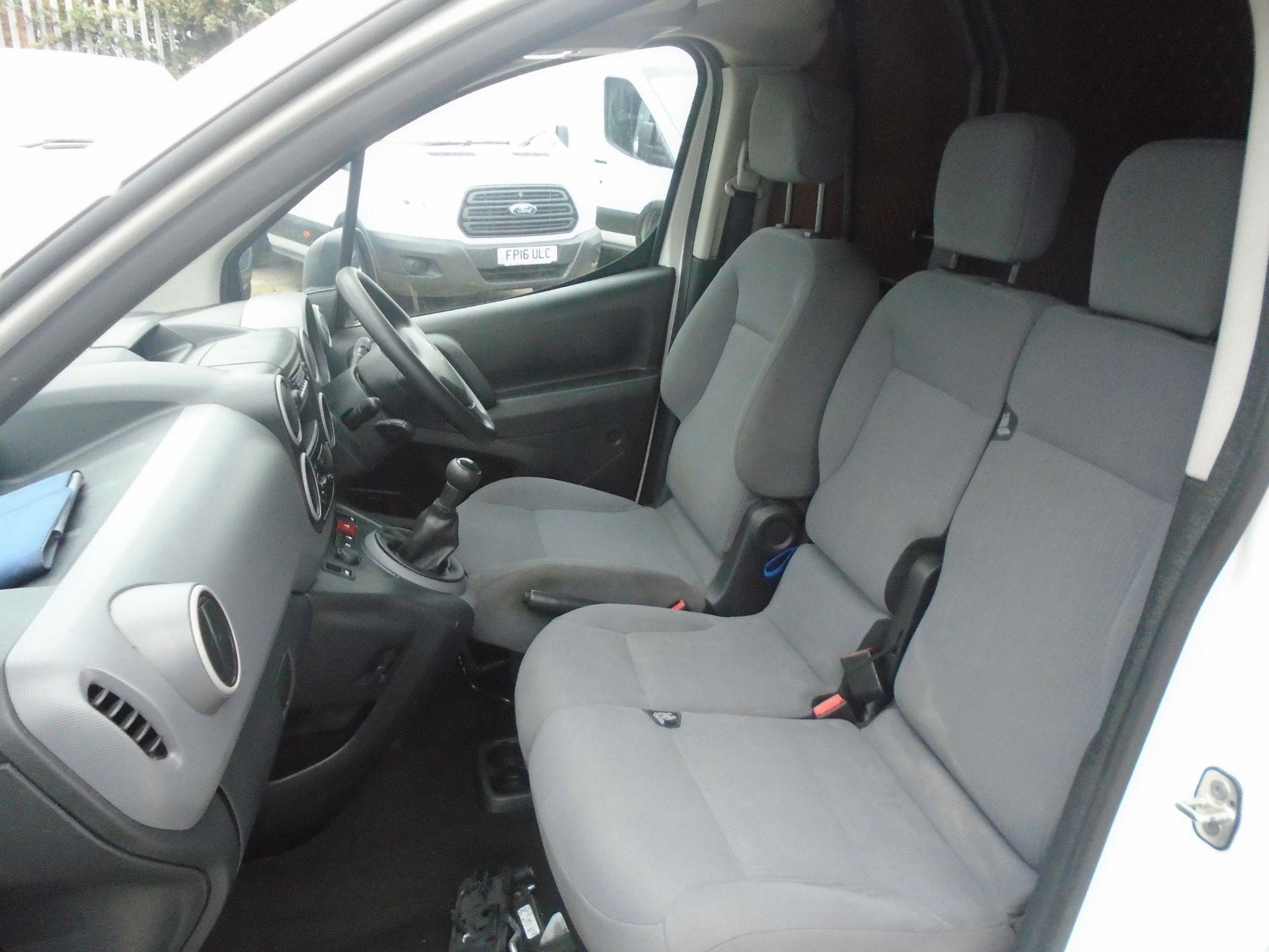 2016 Peugeot Partner 850 Se 1.6 Hdi 92 Van (NV16HNU) Image 14