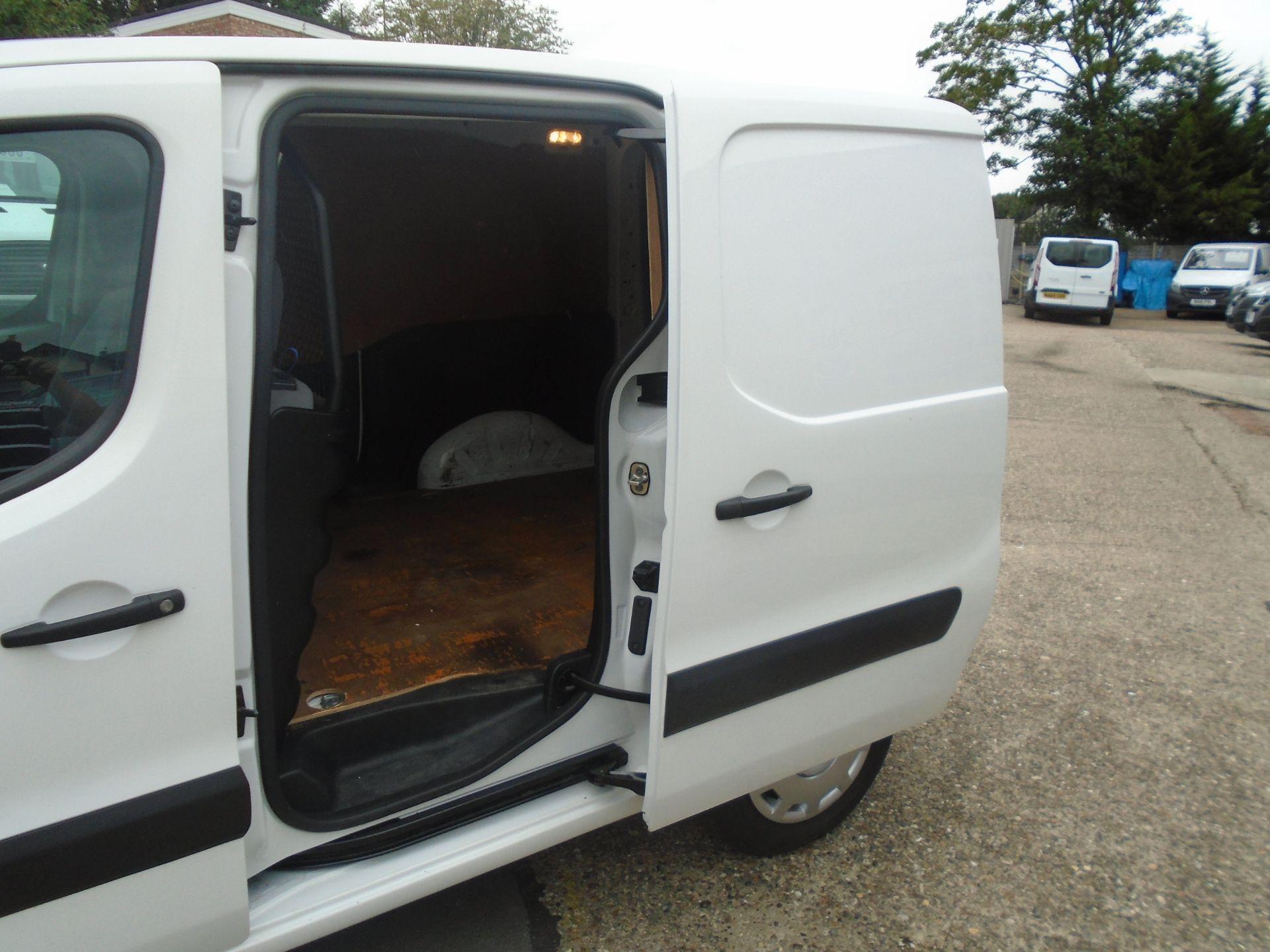 2016 Peugeot Partner 850 Se 1.6 Hdi 92 Van (NV16HNU) Image 8