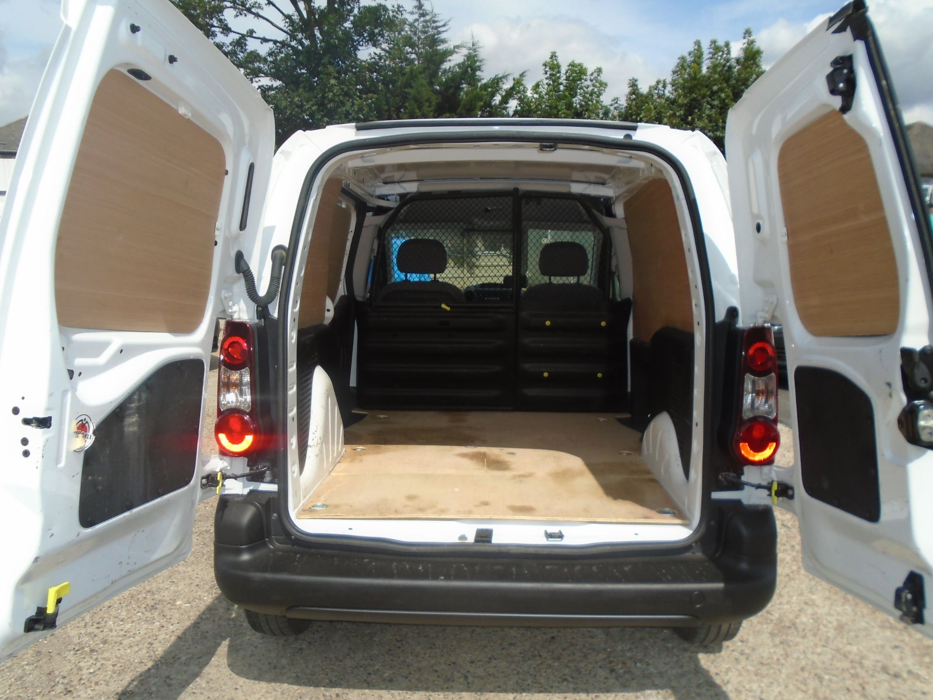 2016 Peugeot Partner 850 S 1.6 Hdi 92 Van [Sld] (NV16OVZ) Image 11
