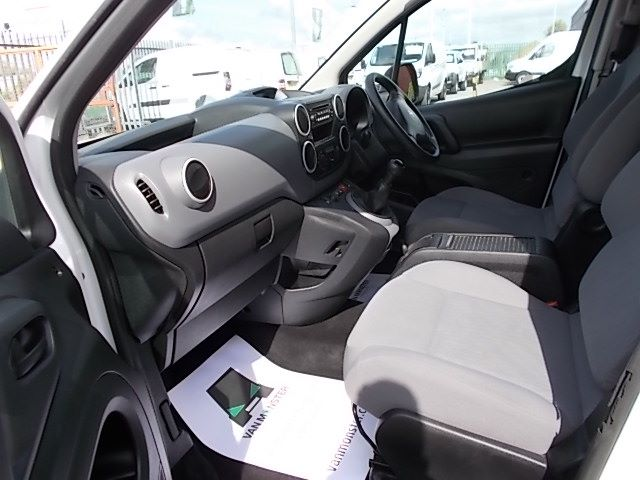 2016 Peugeot Partner L1 850 S 1.6 92PS [SLD] EURO 5 (NV16SXM) Image 12