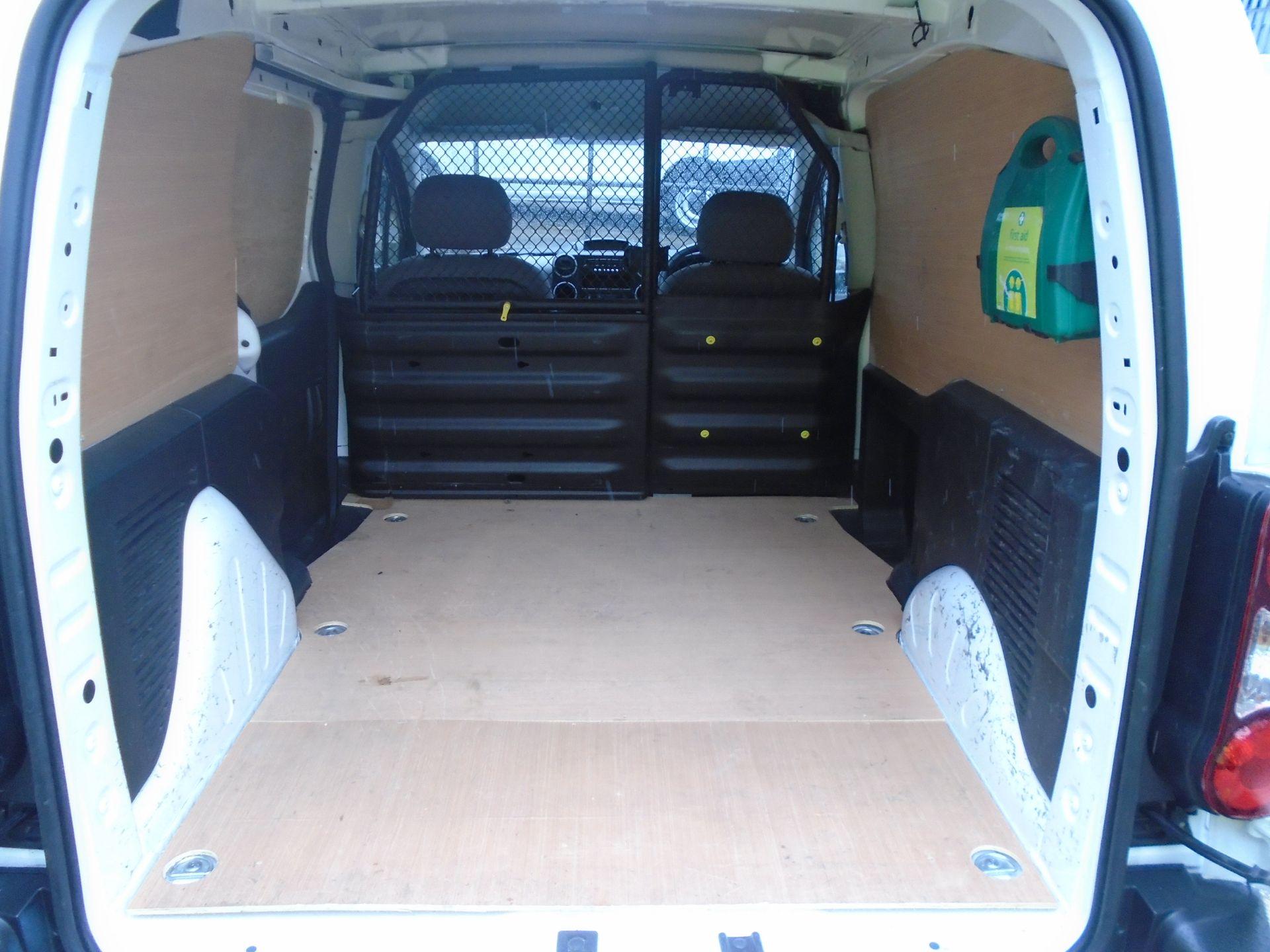2016 Peugeot Partner 850 S 1.6 Hdi 92 Van [Sld] (NV16SXN) Image 12