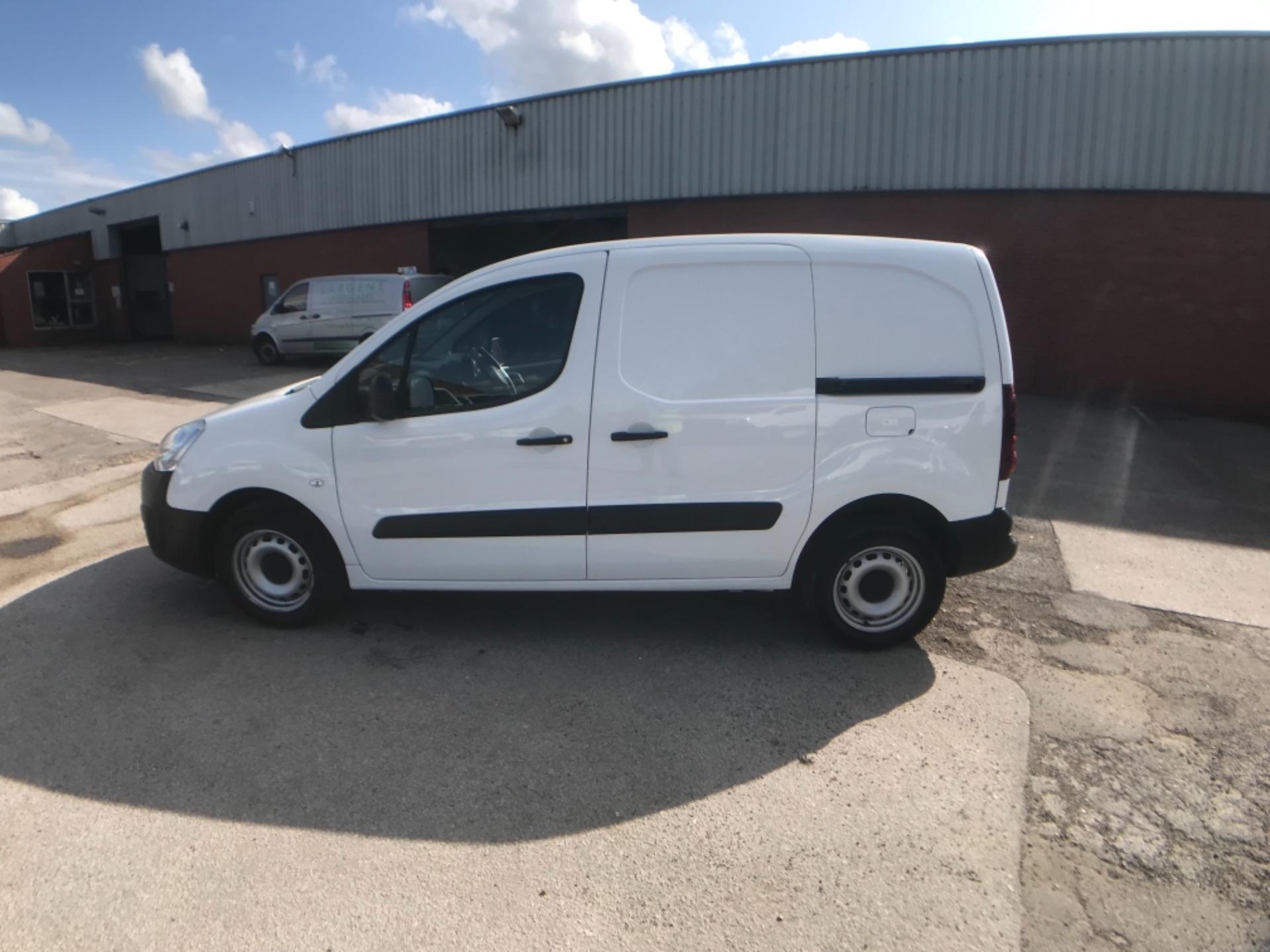 2016 Peugeot Partner 850 S 1.6 Hdi 92 Van [Sld] Euro 5 (NV16XVR) Image 6