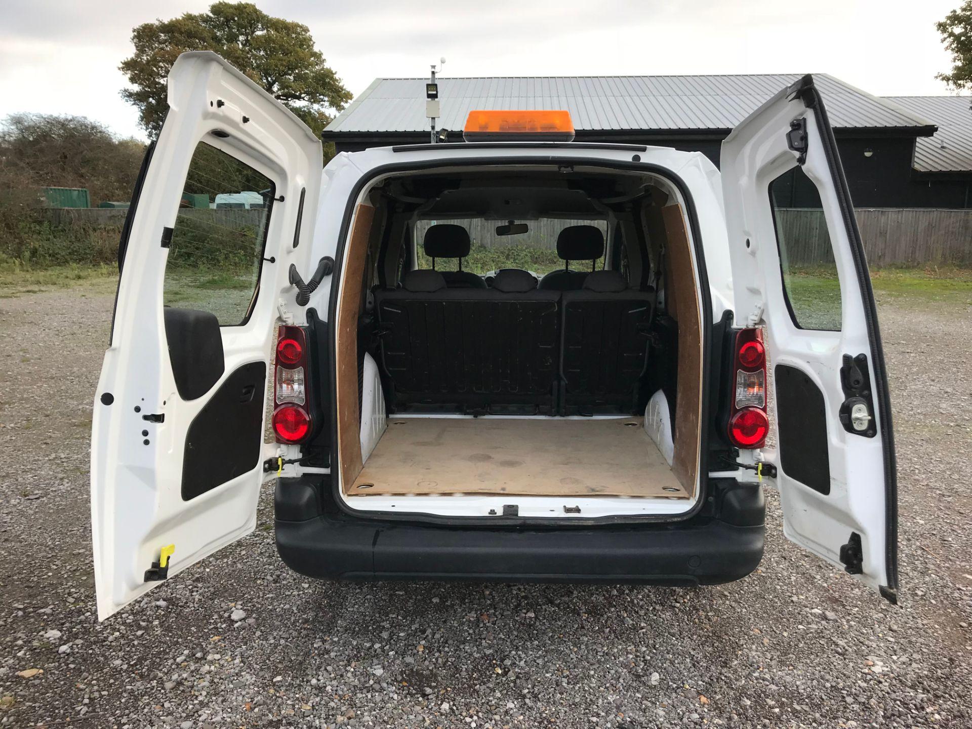 2016 Peugeot Partner 715 S 1.6 Hdi 92 Crew Van (NV16YNL) Image 12