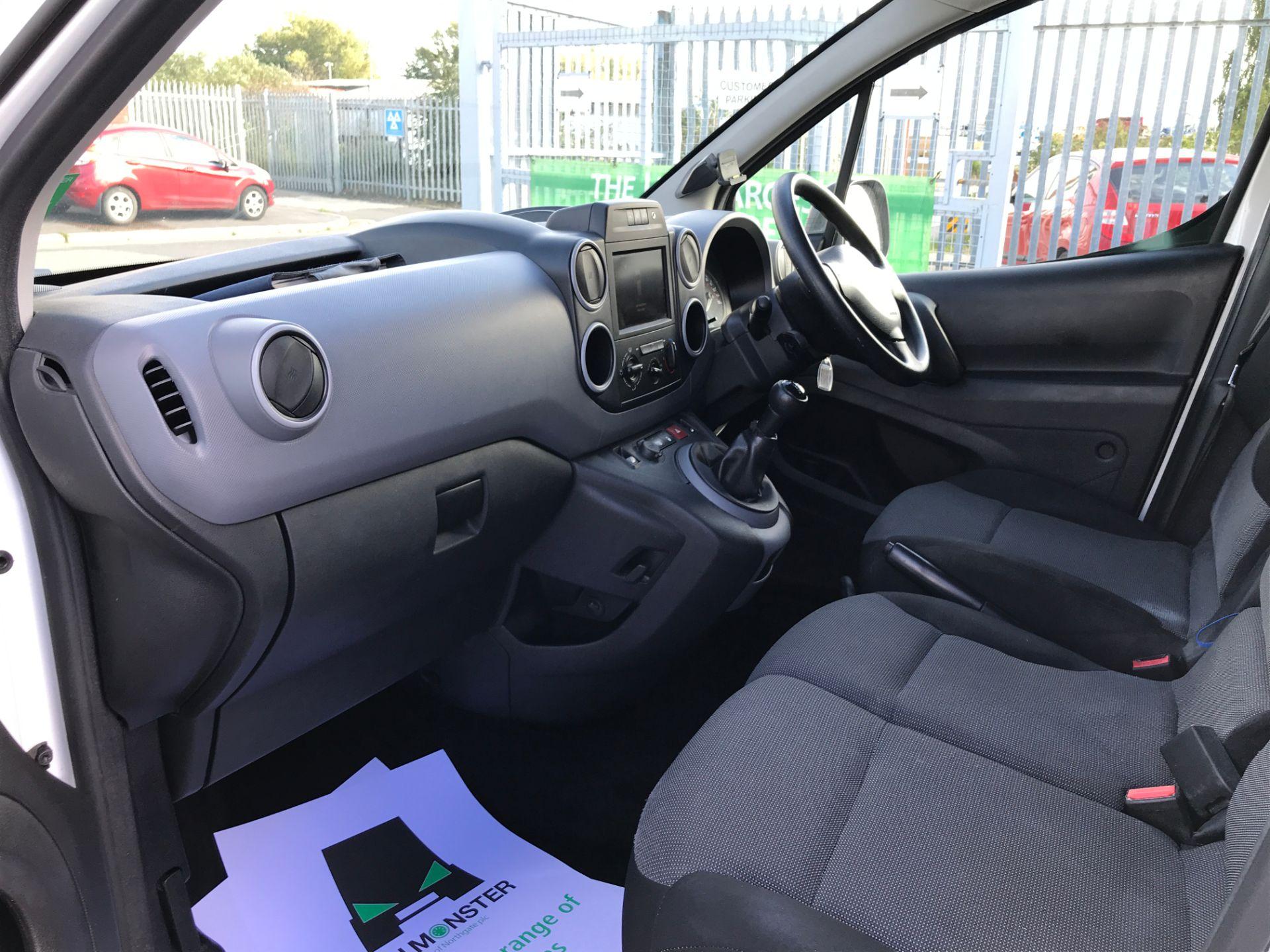 2017 Peugeot Partner L1 850 1.6BLUEHDI 100PS PROFESSIONAL EURO 6 (NV17DKN) Image 12