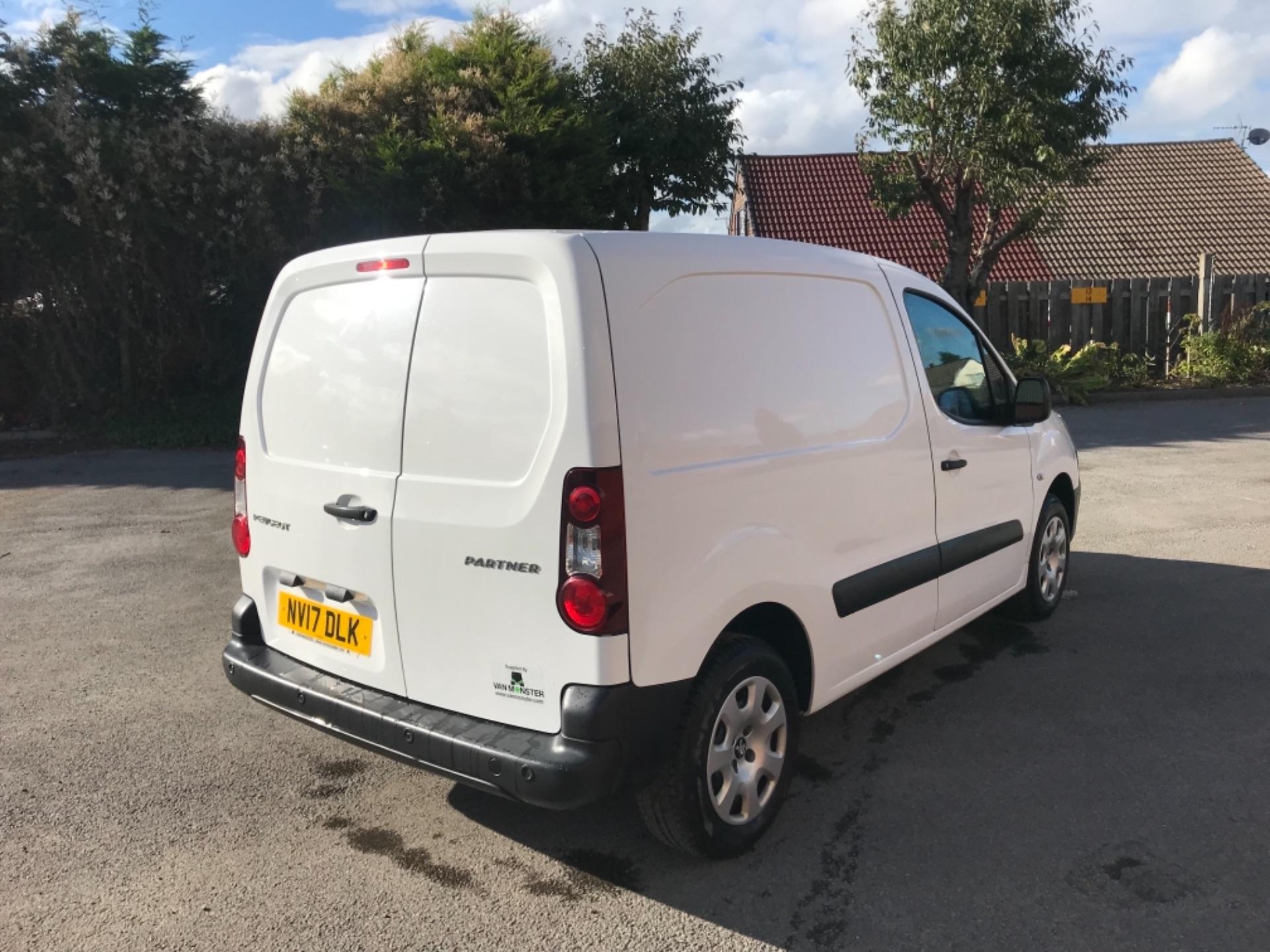 2017 Peugeot Partner 850 1.6 Bluehdi 100 Professional Van [Non Ss] EURO 6 (NV17DLK) Image 7