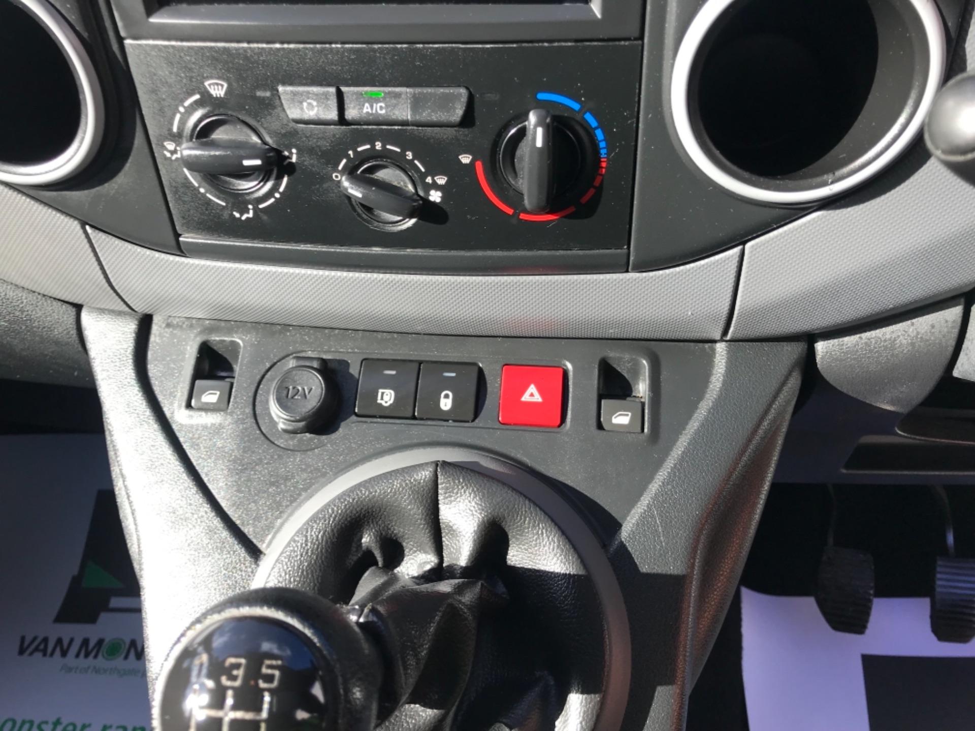 2017 Peugeot Partner 850 1.6 Bluehdi 100 Professional Van [Non Ss] EURO 6 (NV17DLK) Image 10