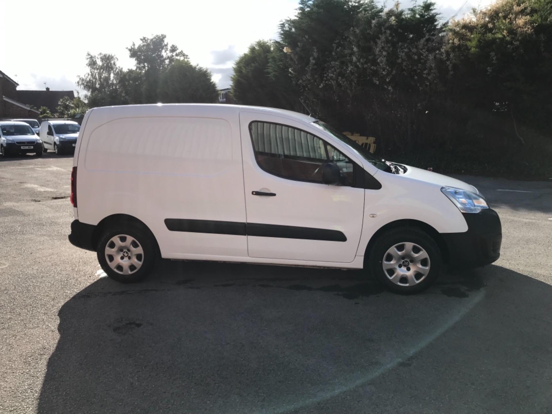 2017 Peugeot Partner 850 1.6 Bluehdi 100 Professional Van [Non Ss] EURO 6 (NV17DLK) Image 8
