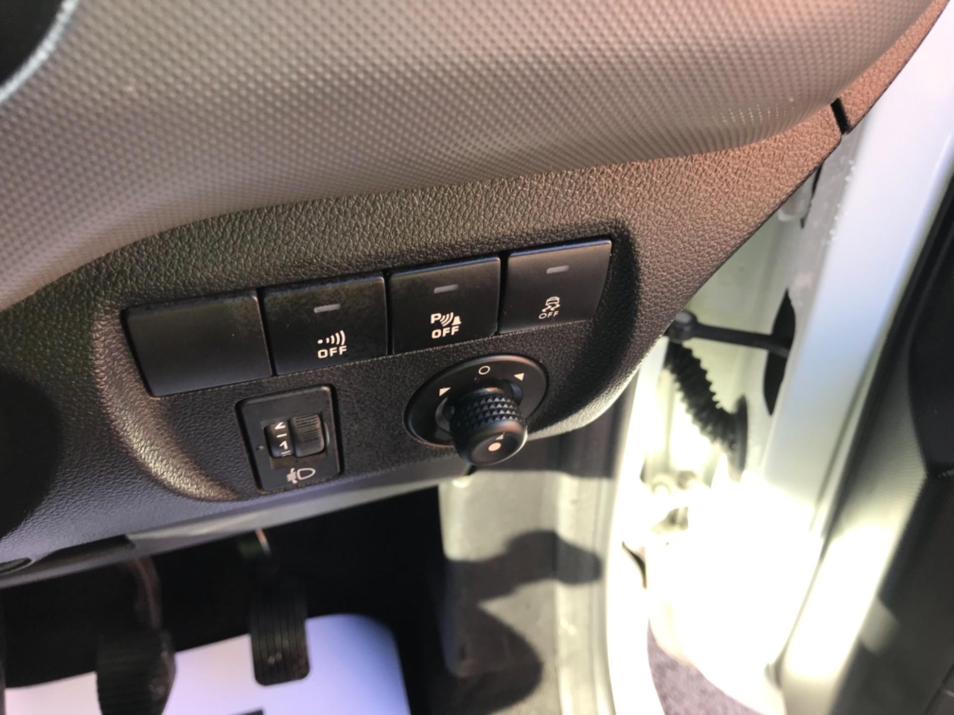 2017 Peugeot Partner 850 1.6 Bluehdi 100 Professional Van [Non Ss] EURO 6 (NV17DLK) Image 14